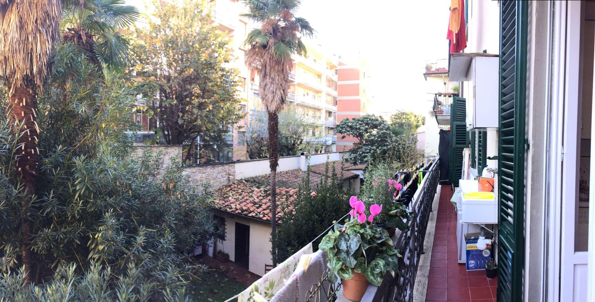 Appartamento in buone condizioni parzialmente arredato in vendita Rif. 9308438