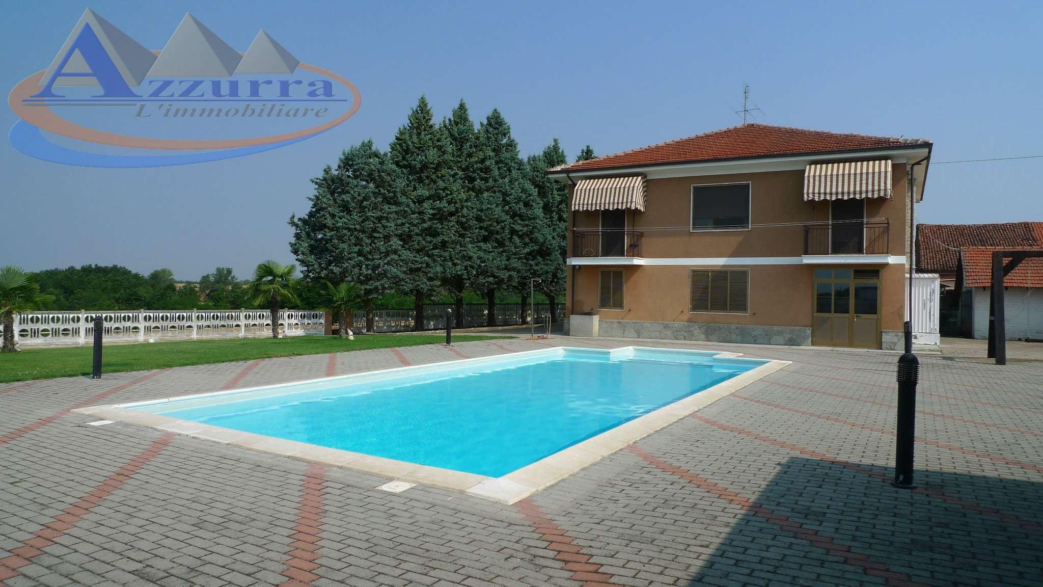 Villa in vendita a Gamalero, 11 locali, prezzo € 350.000 | CambioCasa.it