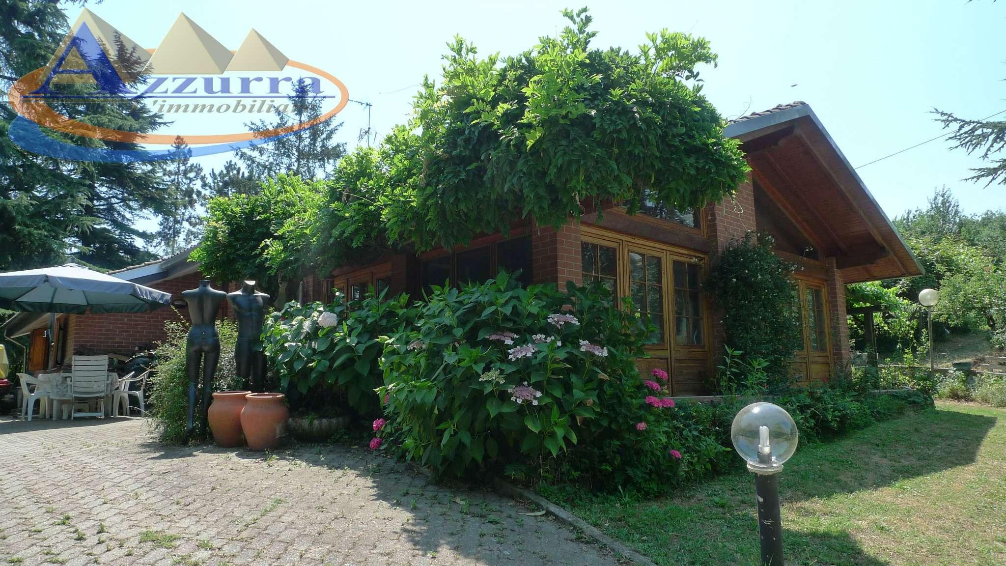 Villa in vendita a Valenza, 10 locali, prezzo € 220.000 | CambioCasa.it