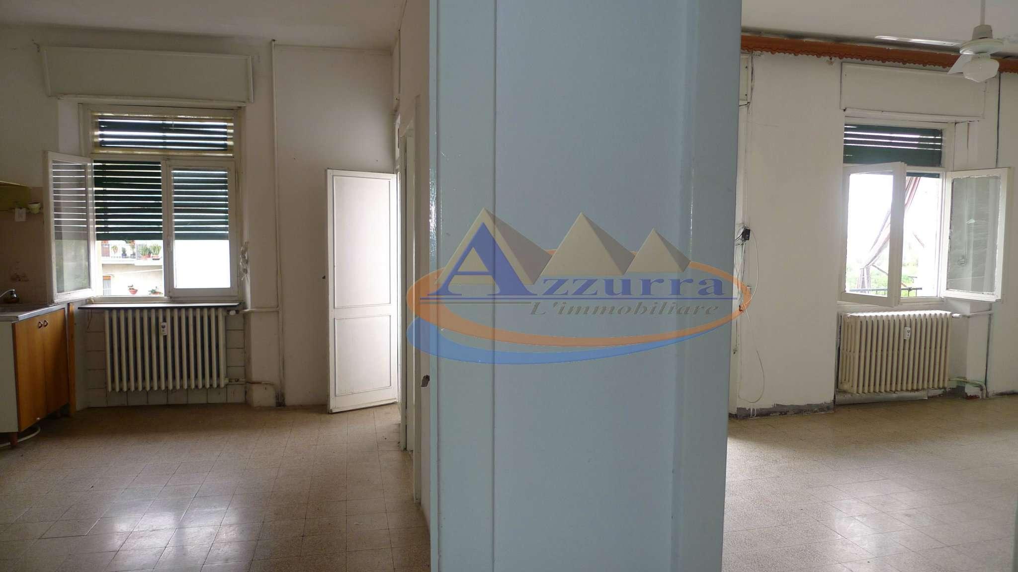 Appartamento da ristrutturare in vendita Rif. 5237782