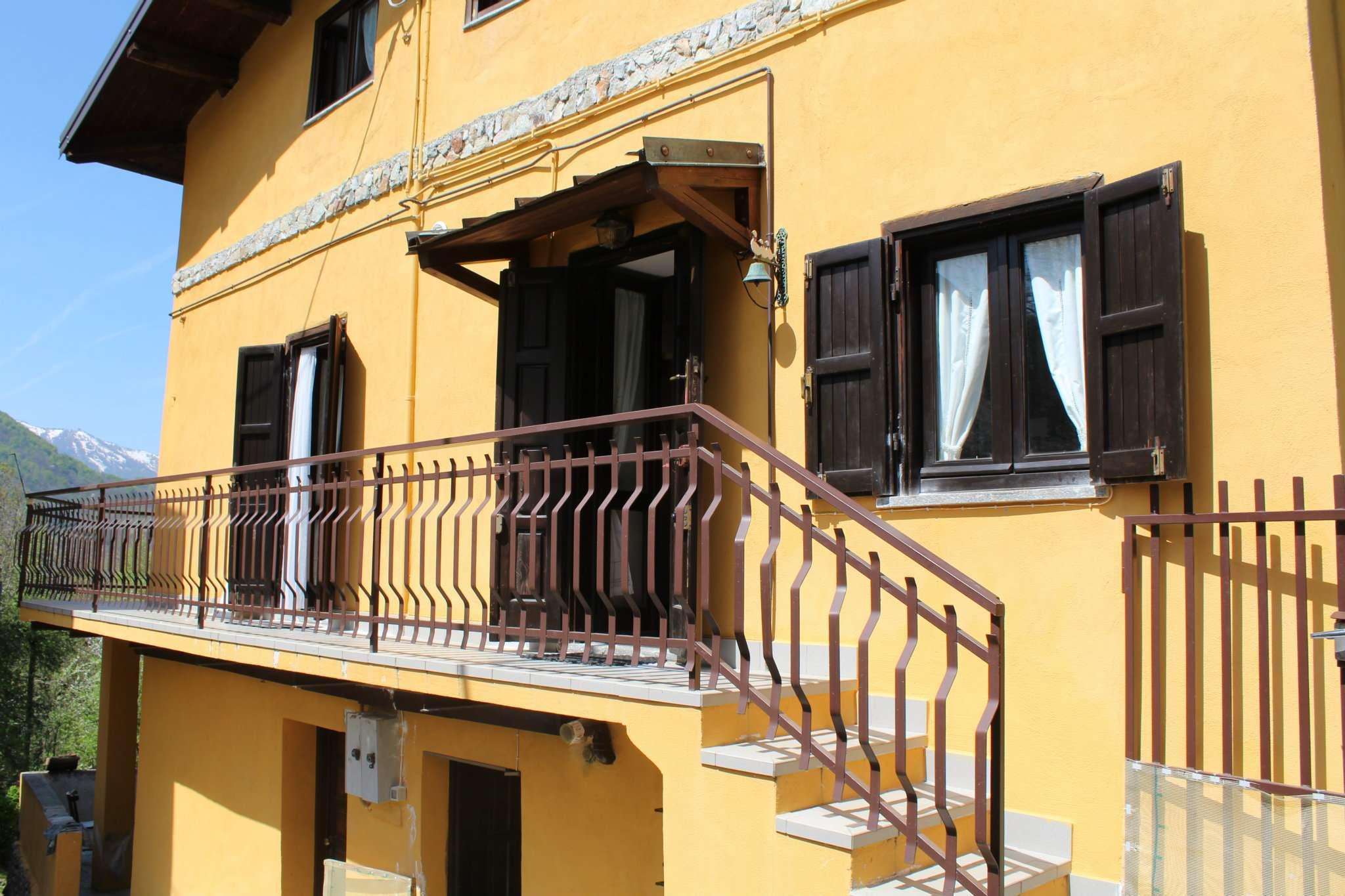 Appartamento in vendita a Roburent, 10 locali, prezzo € 135.000   CambioCasa.it