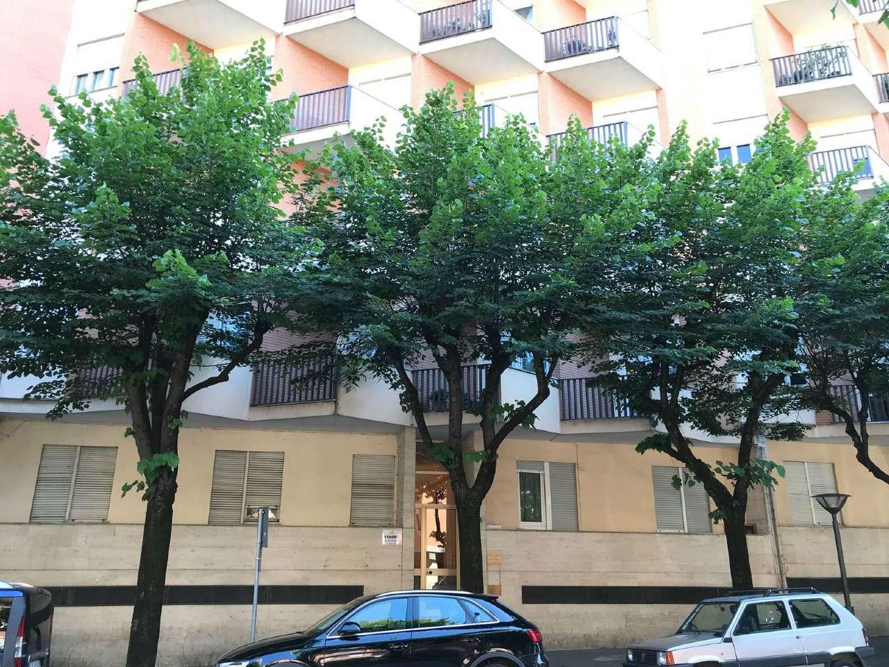 Appartamento in buone condizioni in vendita Rif. 7018770