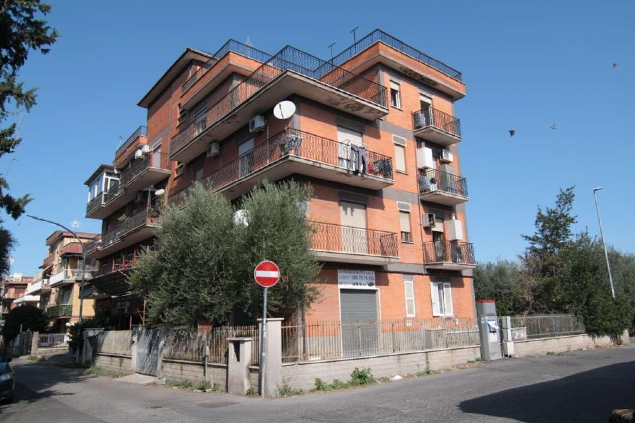 Attico / Mansarda in vendita a Roma, 3 locali, zona Zona: 36 . Finocchio, Torre Gaia, Tor Vergata, Borghesiana, prezzo € 168.000 | CambioCasa.it
