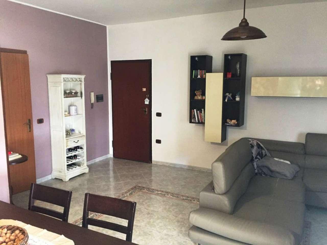 Appartamento in buone condizioni in vendita Rif. 5238349
