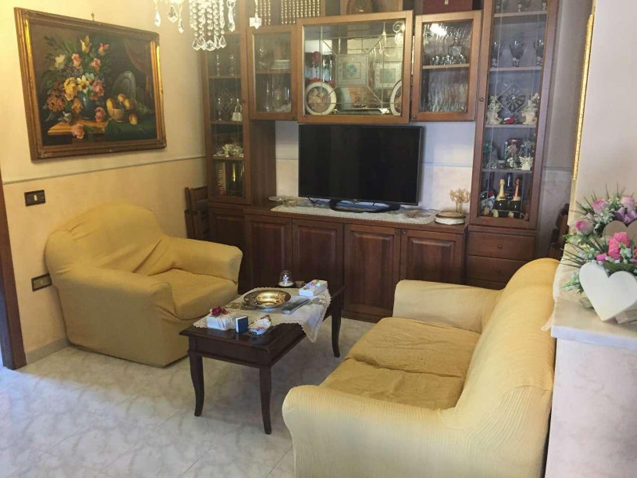Appartamento in buone condizioni in vendita Rif. 6922504