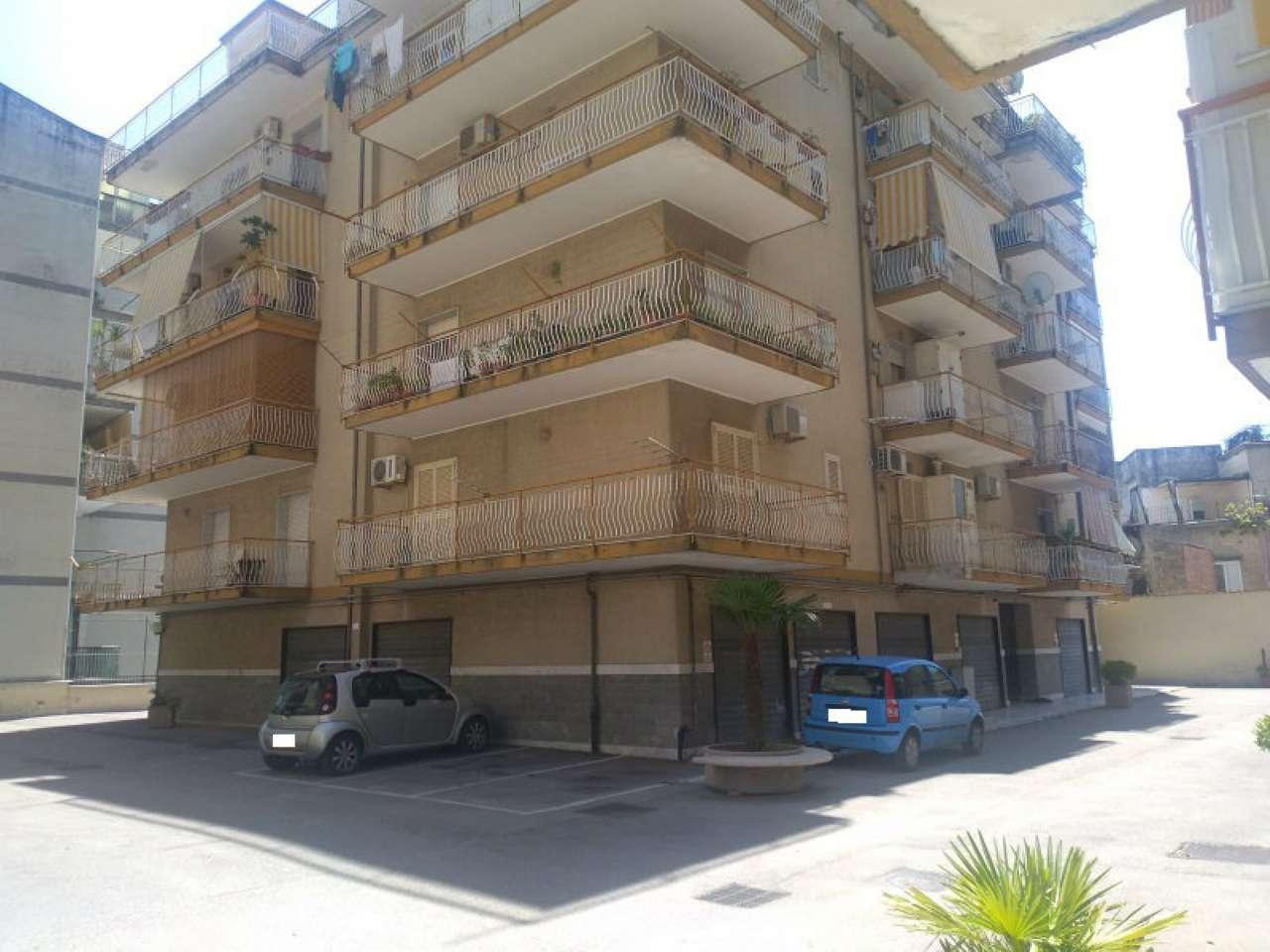 Appartamento in buone condizioni in vendita Rif. 7071727