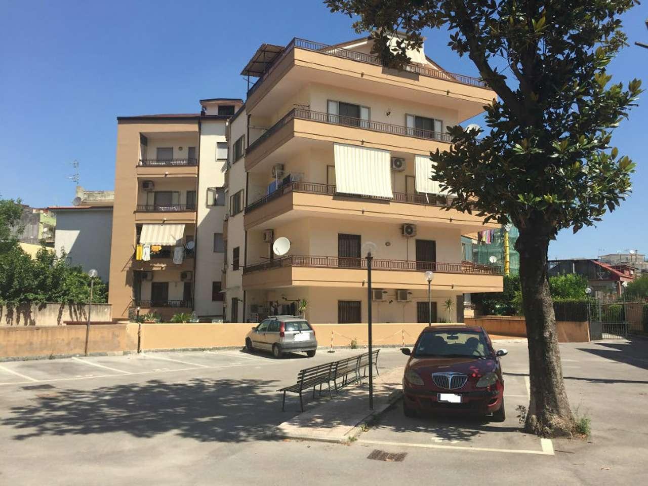 Appartamento in discrete condizioni in vendita Rif. 7311348