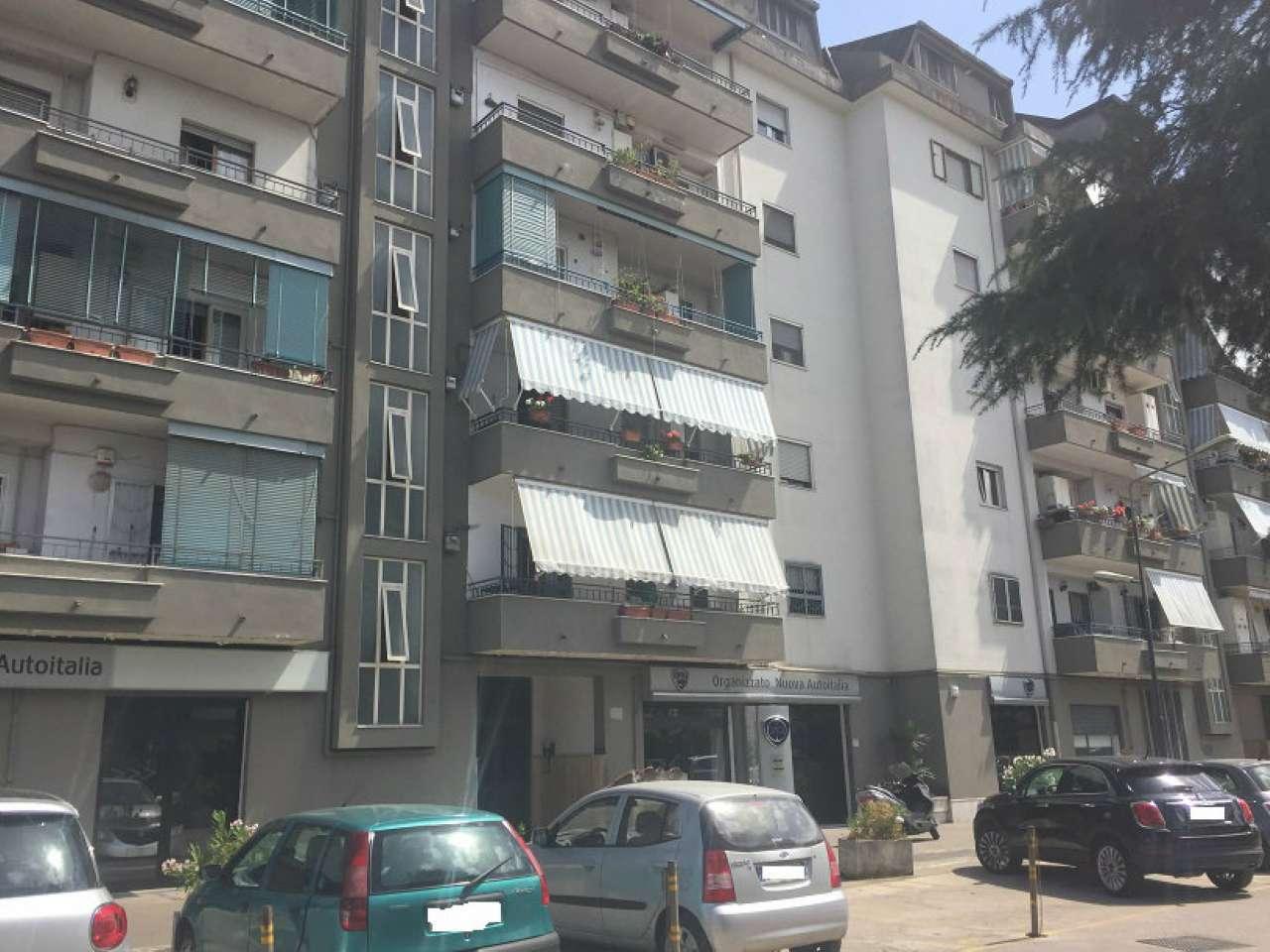 Appartamento in buone condizioni in vendita Rif. 7386444