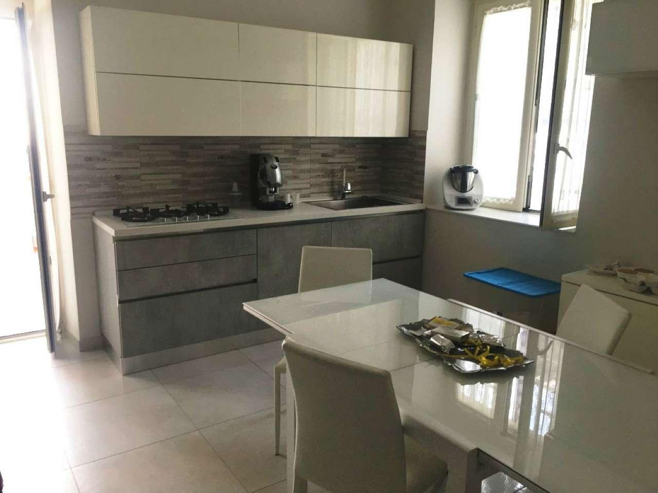 Appartamento in ottime condizioni in vendita Rif. 7529960