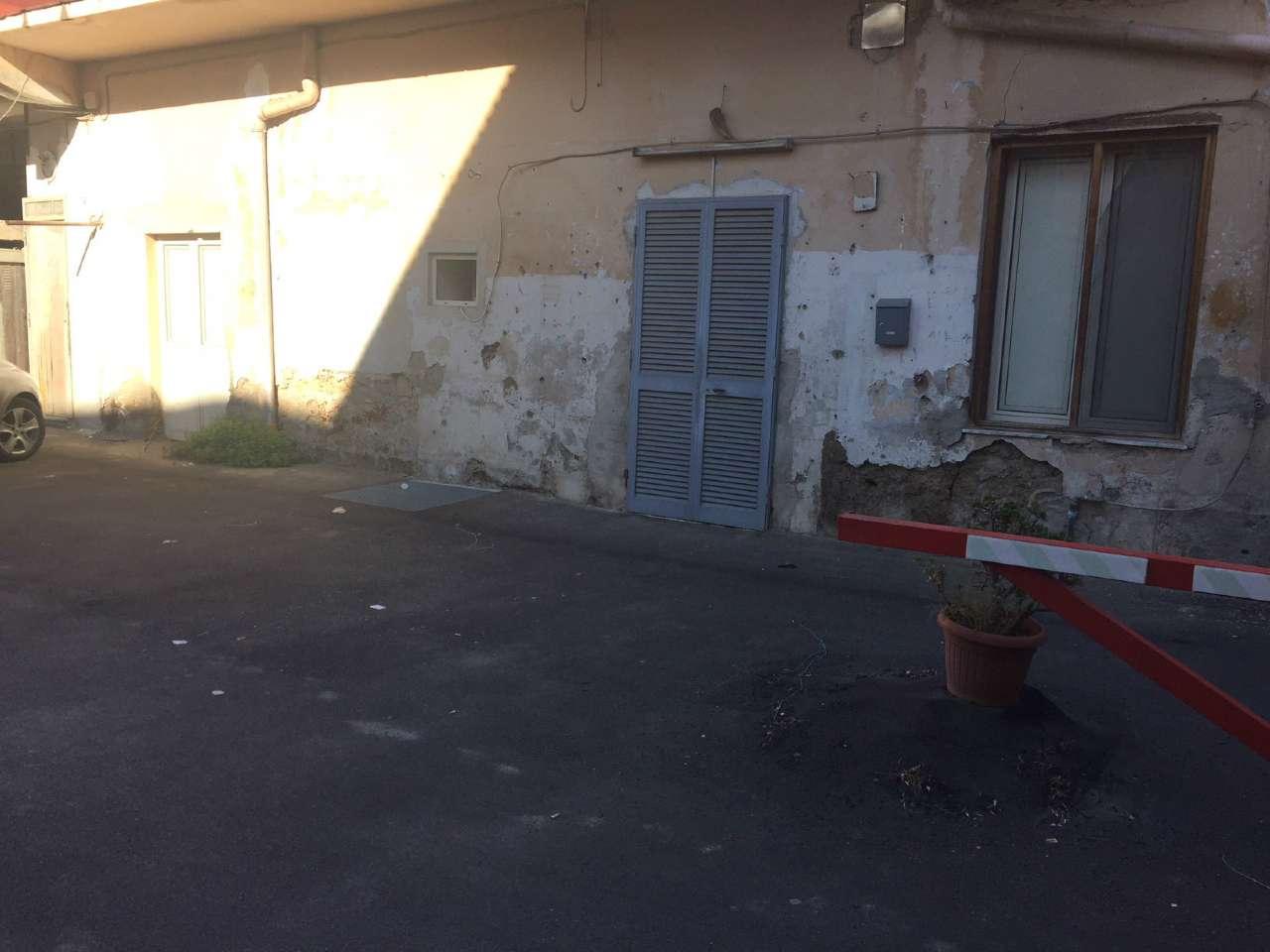 Appartamento in discrete condizioni in vendita Rif. 8534225
