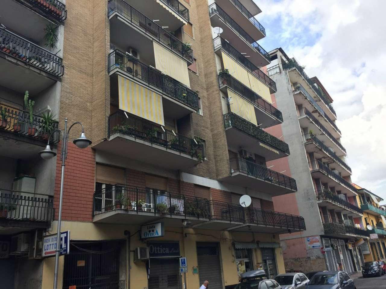 Appartamento in discrete condizioni in vendita Rif. 8578614