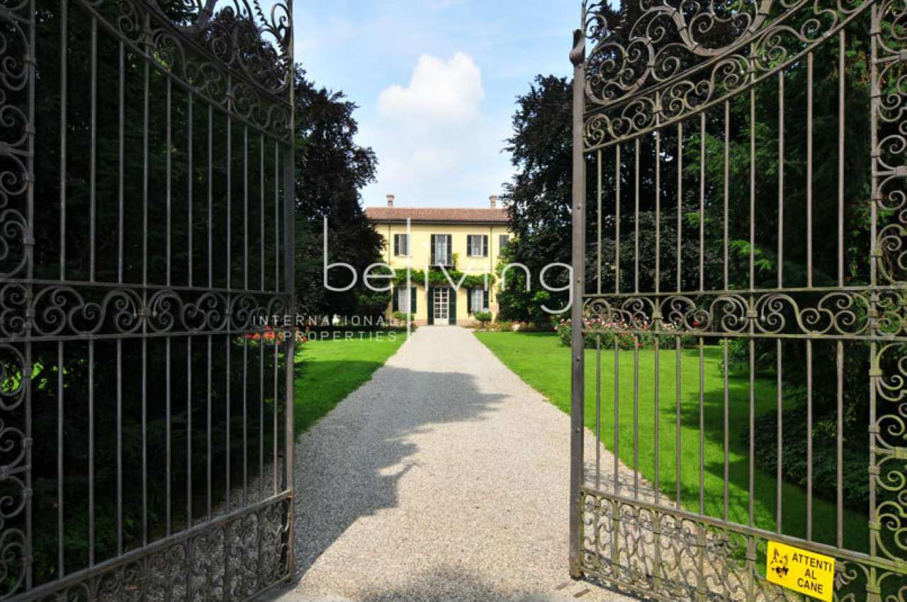 Villa in vendita a Cassinetta di Lugagnano, 14 locali, prezzo € 2.900.000   CambioCasa.it