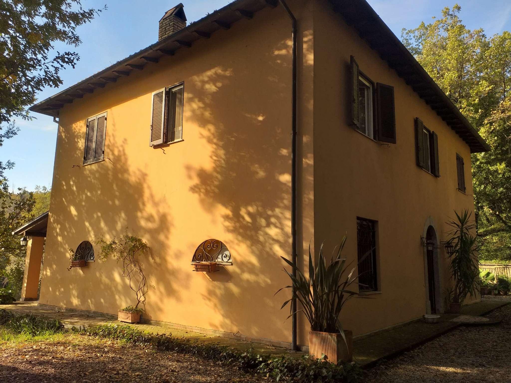 Villetta a schiera in buone condizioni in vendita Rif. 8664525