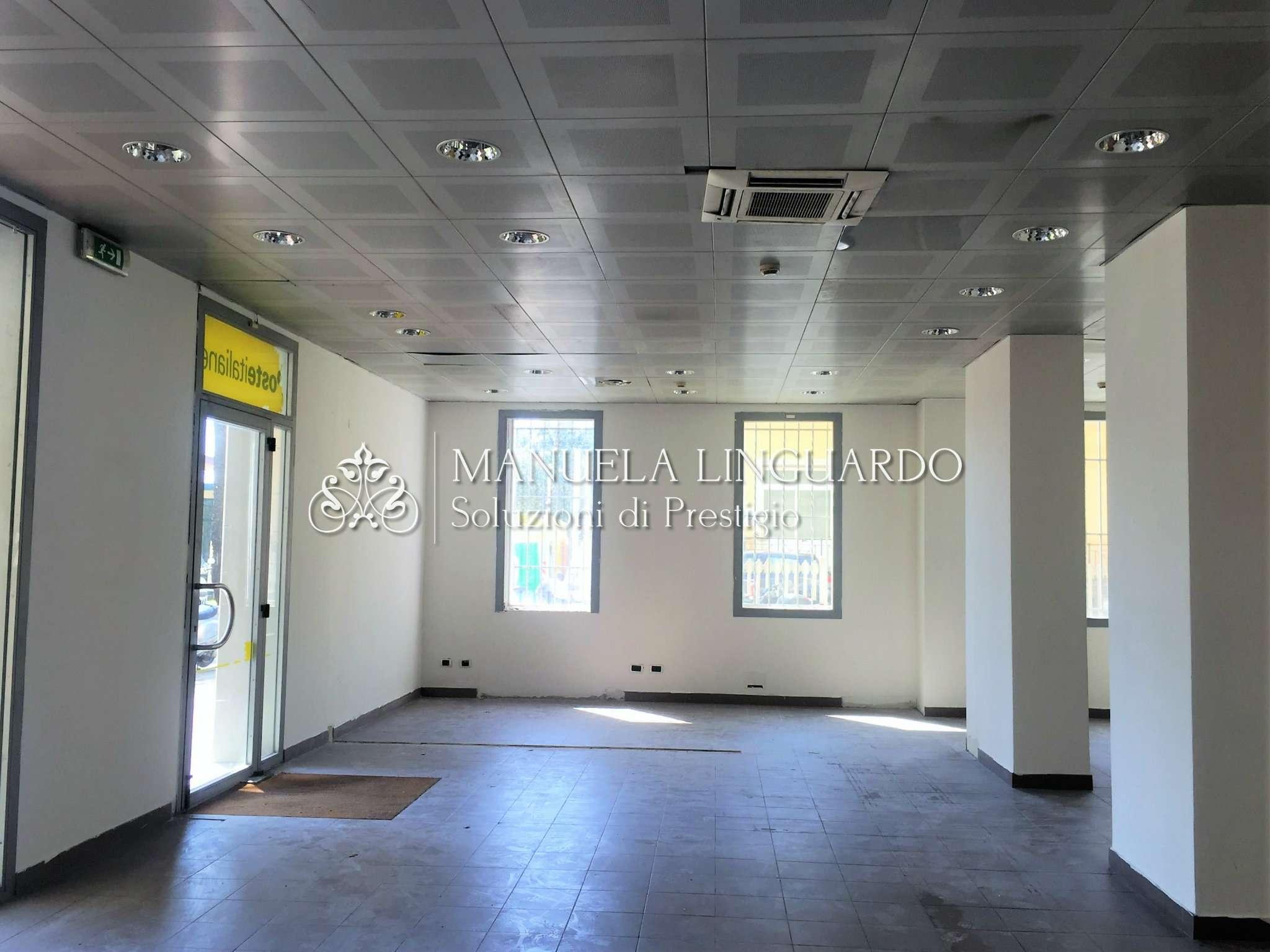 Negozio / Locale in affitto a Bordighera, 8 locali, prezzo € 6.500 | CambioCasa.it
