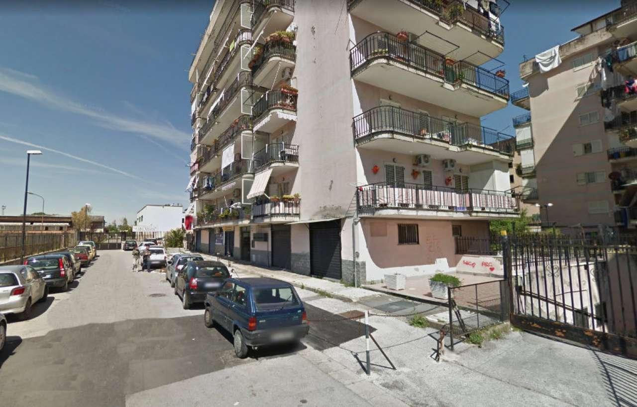 Appartamento in discrete condizioni in vendita Rif. 7861014