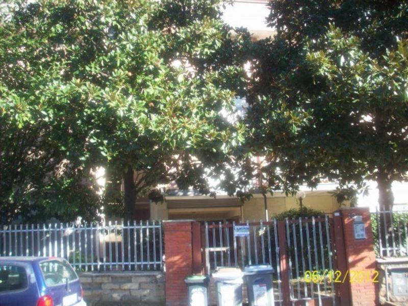 Appartamento in buone condizioni in affitto Rif. 8495221