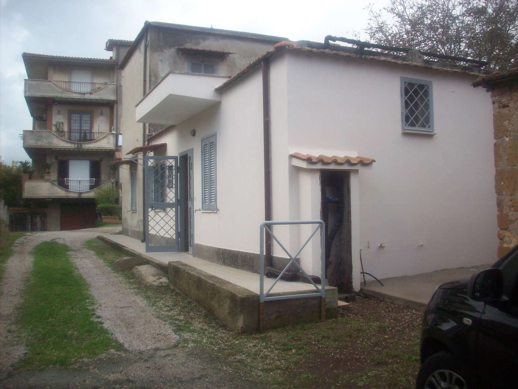 Appartamento in discrete condizioni in affitto Rif. 8720893