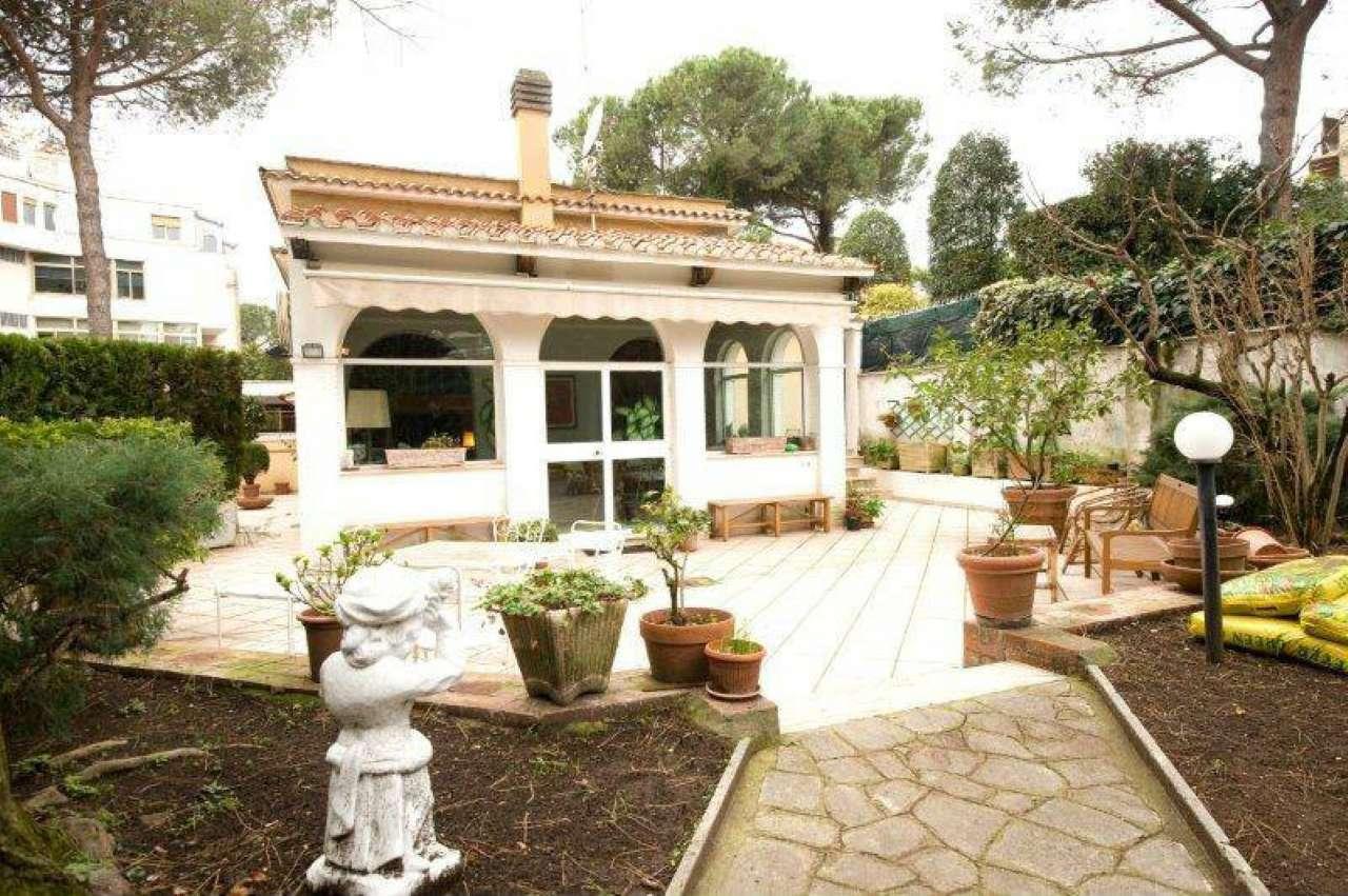 Villa in vendita a Roma, 10 locali, zona Zona: 2 . Flaminio, Parioli, Pinciano, Villa Borghese, prezzo € 1.650.000 | CambioCasa.it