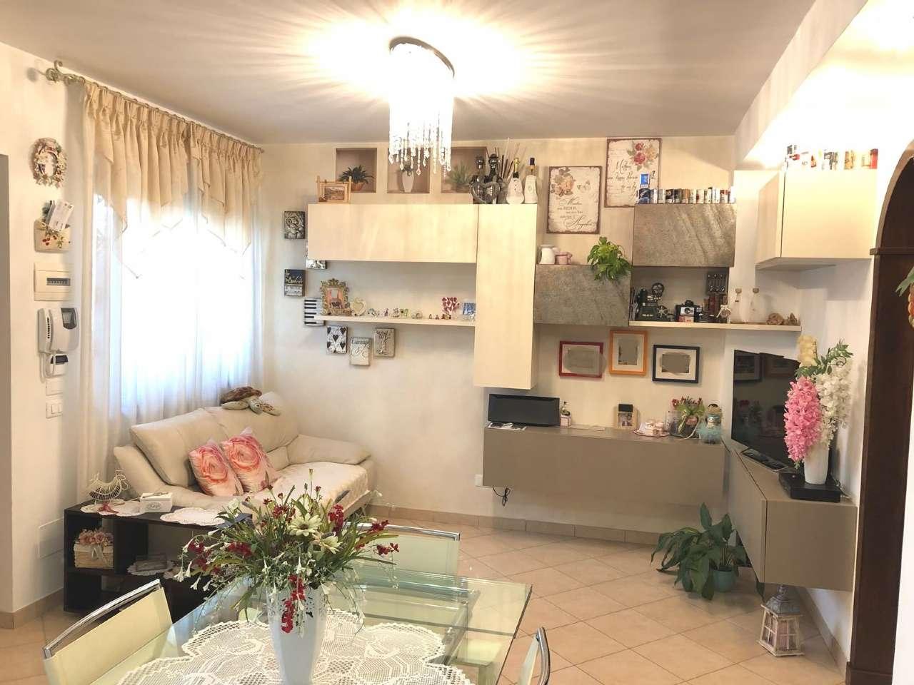 Appartamento ristrutturato in vendita Rif. 7911839