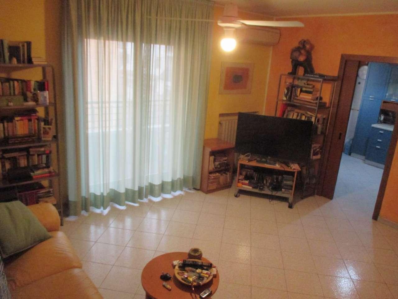 Appartamento in vendita a Settimo Milanese, 2 locali, prezzo € 170.000 | CambioCasa.it