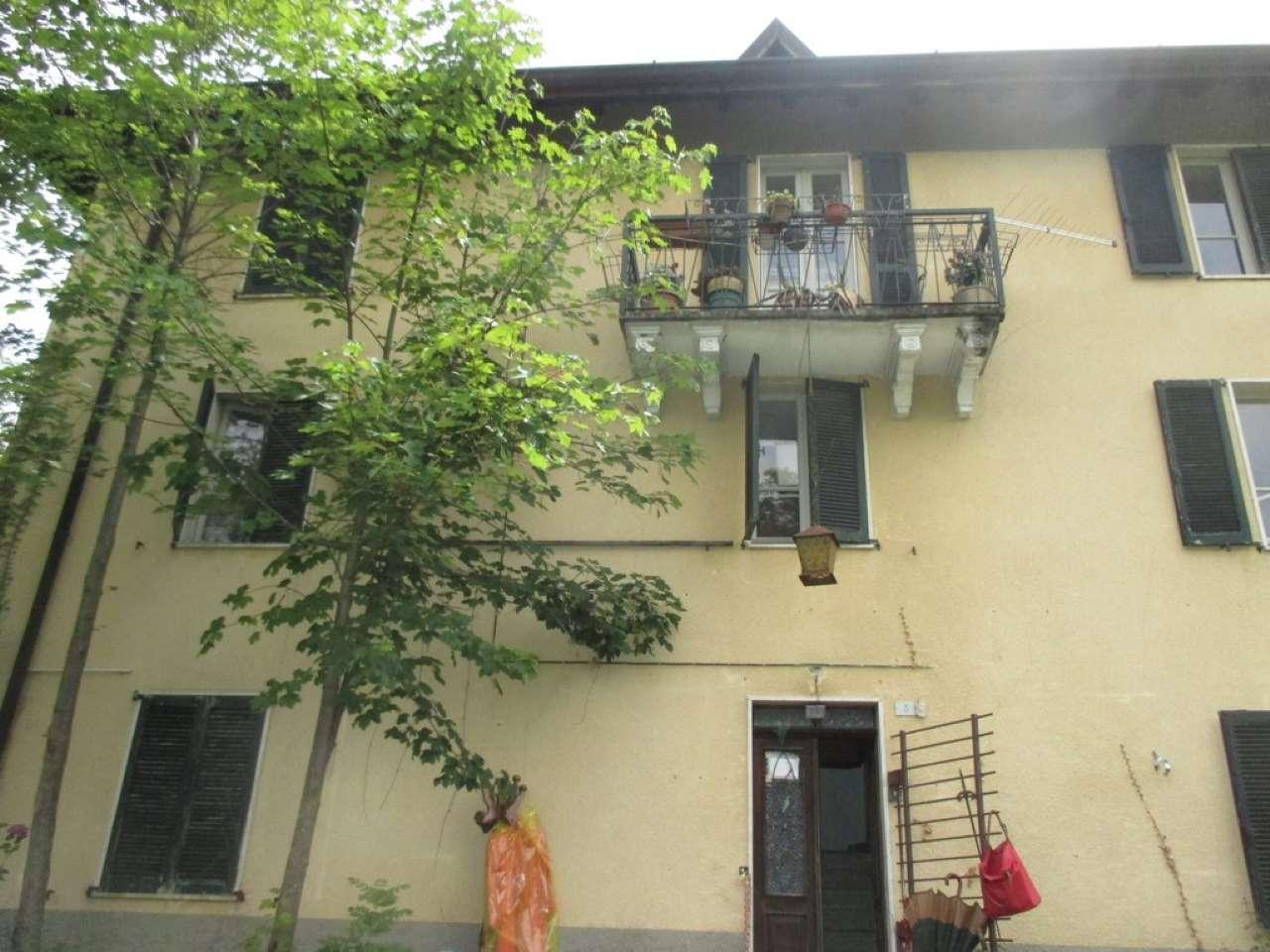 Rustico / Casale in vendita a Corna Imagna, 9 locali, prezzo € 120.000 | CambioCasa.it