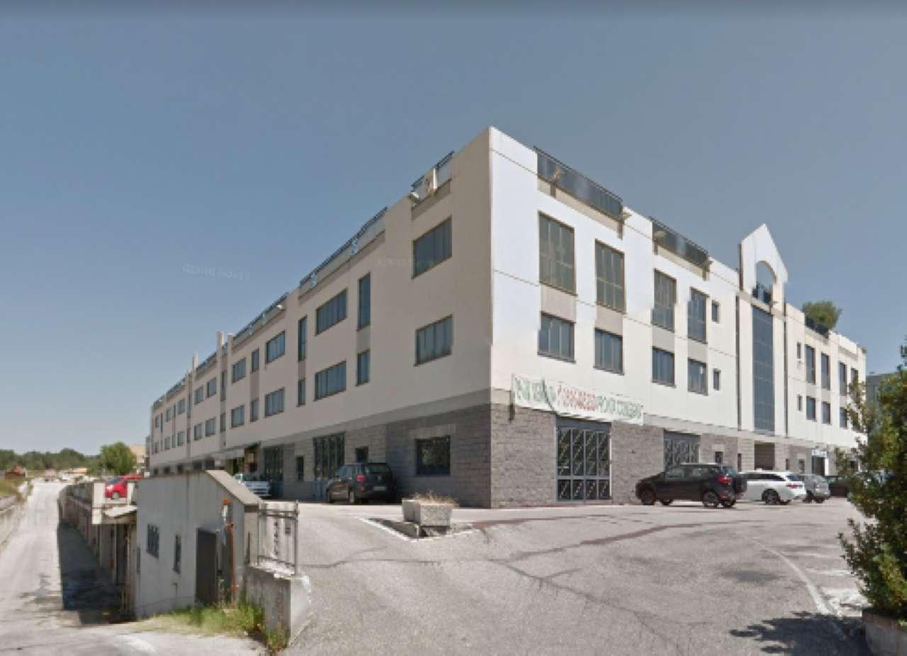 Laboratorio in vendita a Formello, 11 locali, prezzo € 330.000 | CambioCasa.it