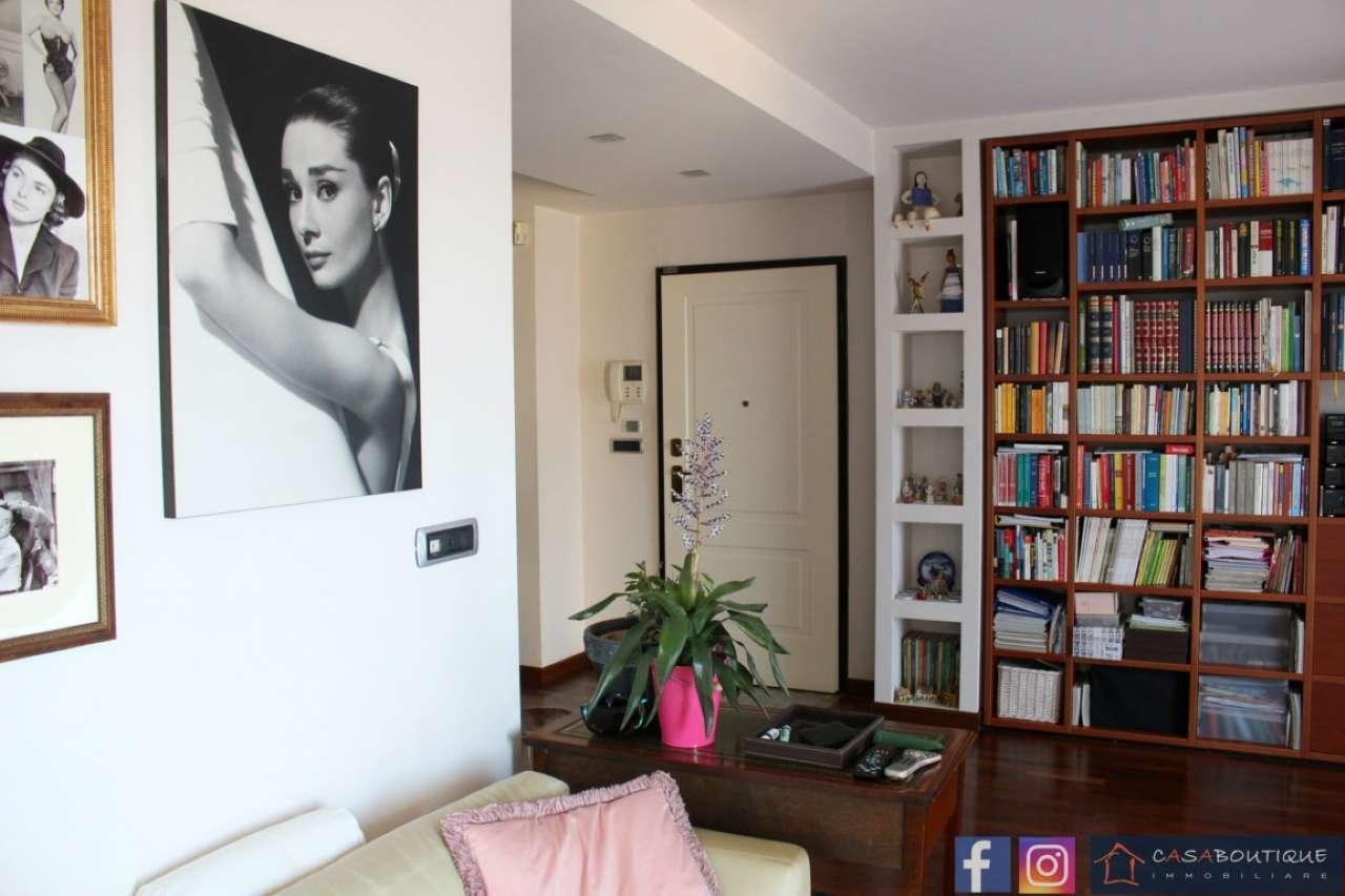 Appartamento in ottime condizioni in vendita Rif. 7190181