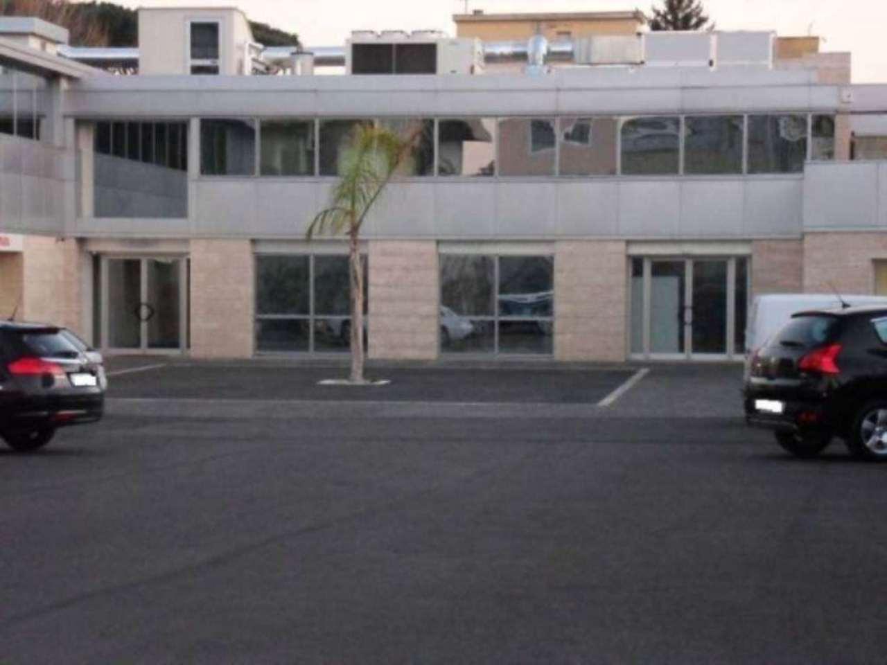 Negozio locale in affitto roma via tiburtina for Affitto roma locale