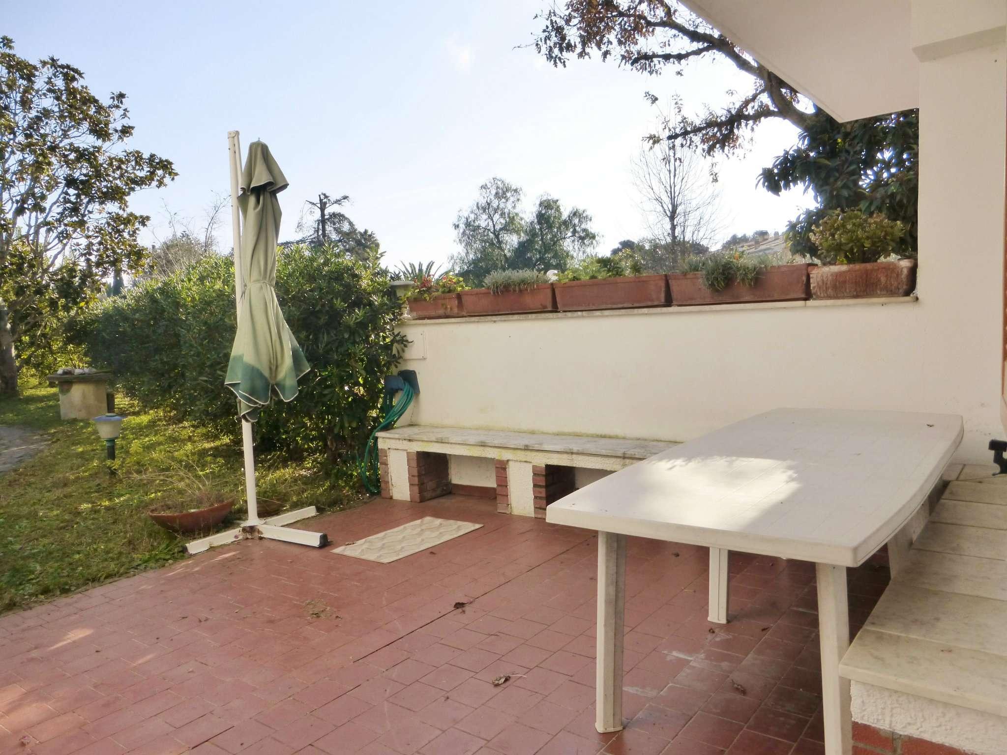 Villa in vendita a Sabaudia, 5 locali, prezzo € 175.000 | CambioCasa.it