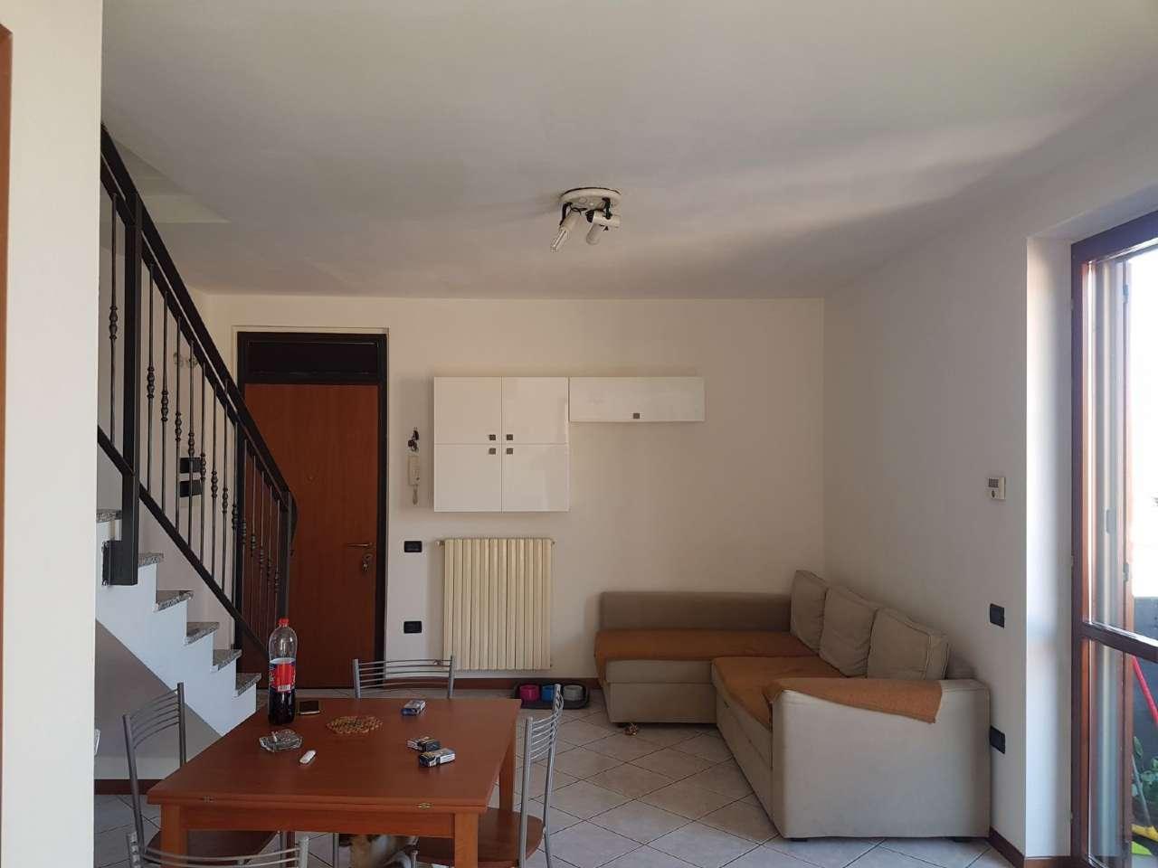 Appartamento in affitto a Montichiari, 5 locali, prezzo € 500   CambioCasa.it
