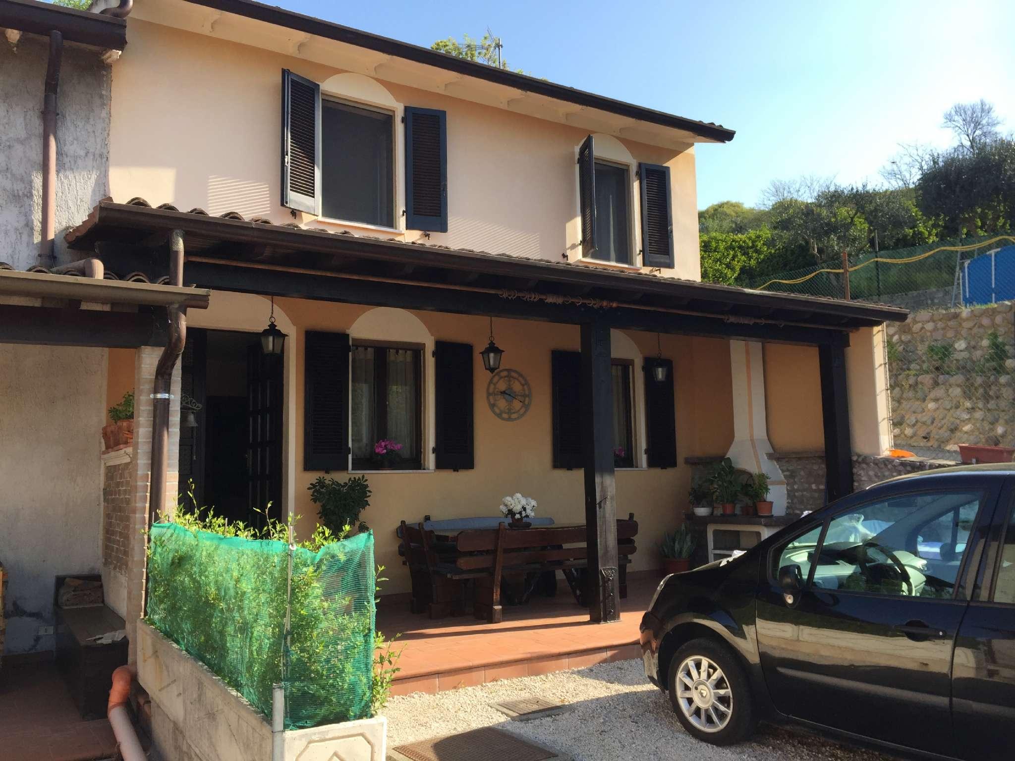 Soluzione Indipendente in vendita a Montichiari, 7 locali, prezzo € 210.000   CambioCasa.it