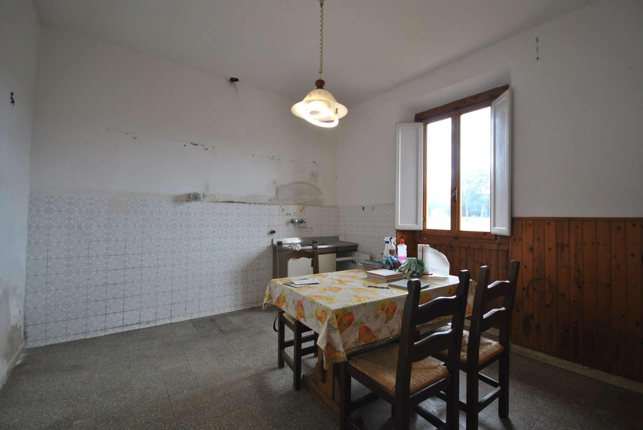 Appartamento in condizioni mediocri in vendita