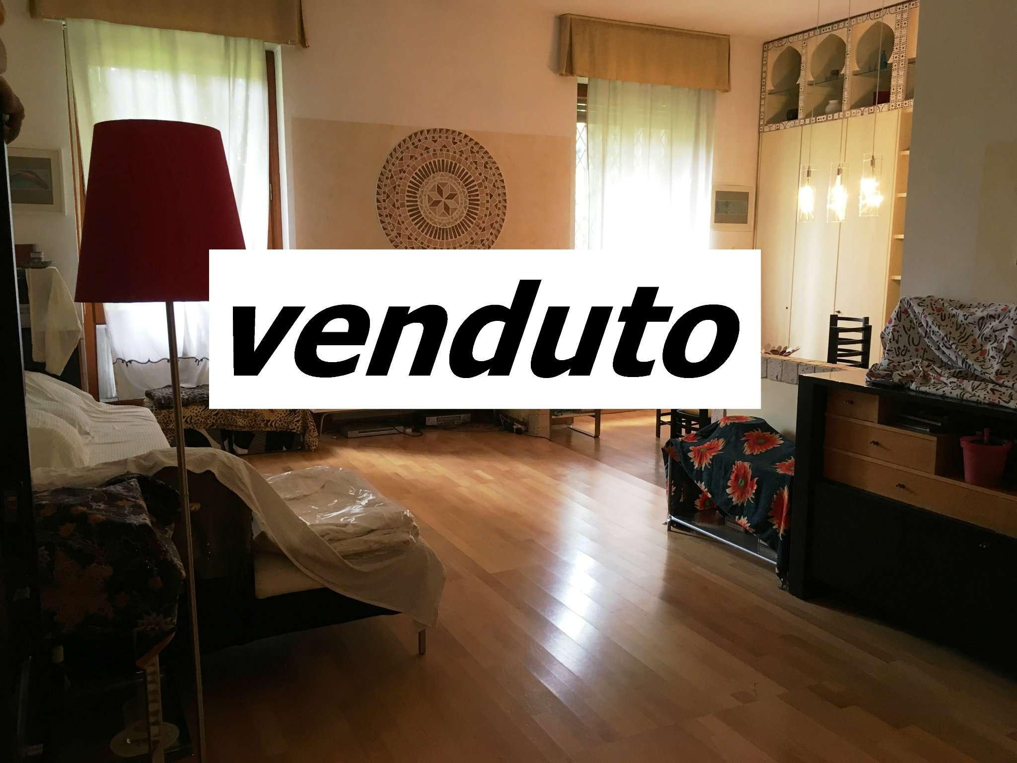 Appartamento in ottime condizioni in vendita Rif. 8761889