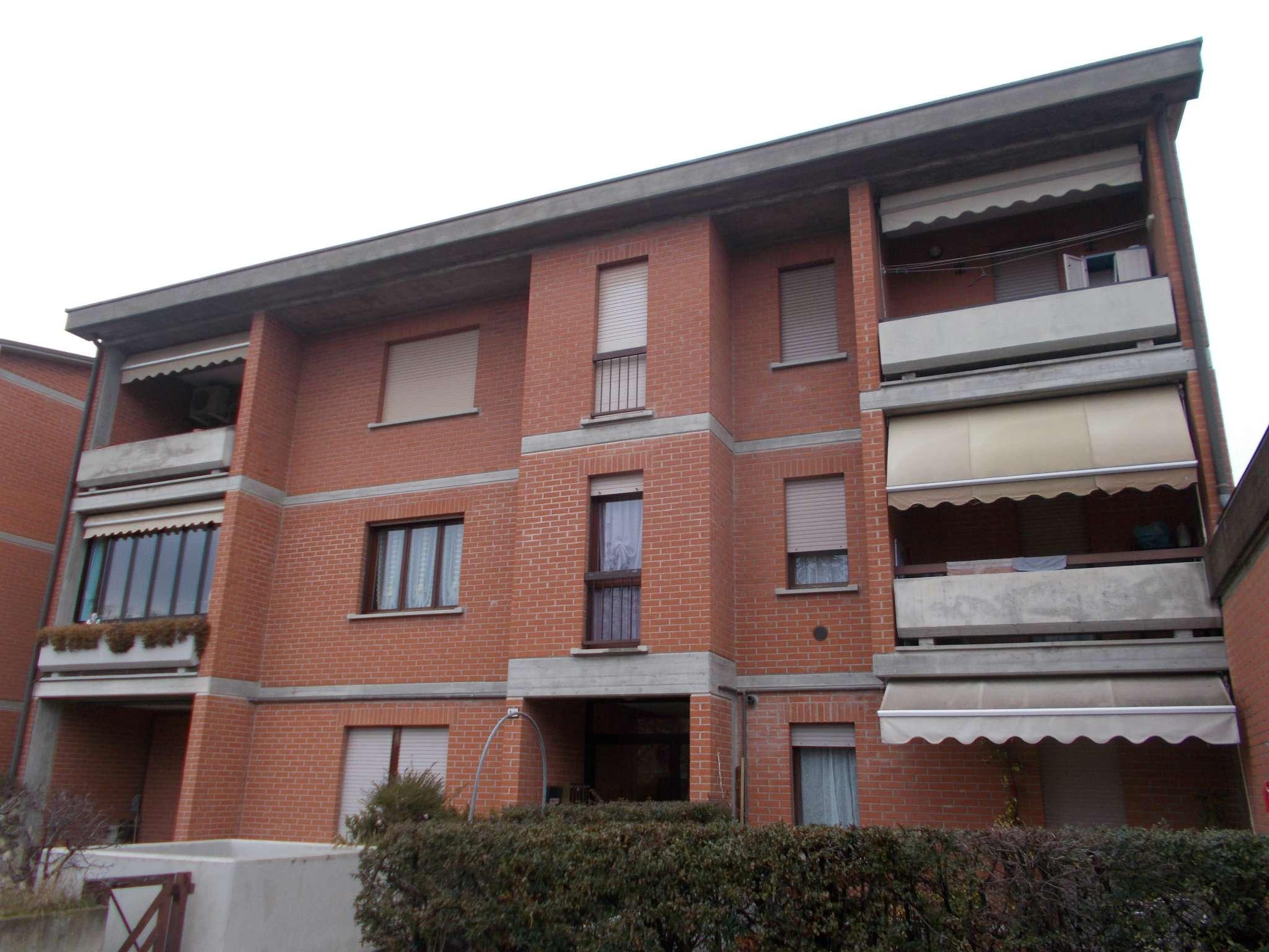 Appartamento in ottime condizioni parzialmente arredato in vendita Rif. 5248752