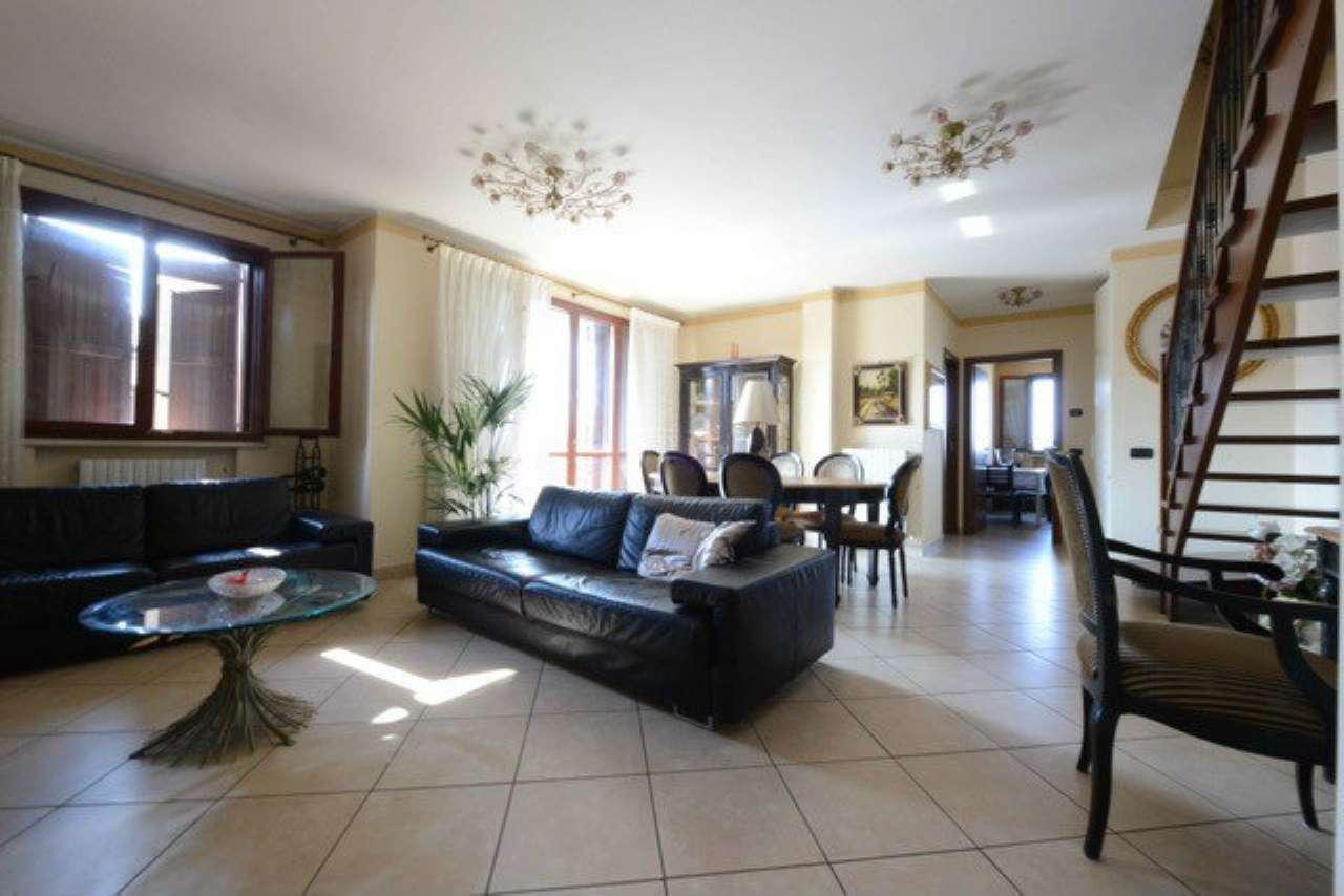 Appartamento in ottime condizioni in vendita Rif. 7519996
