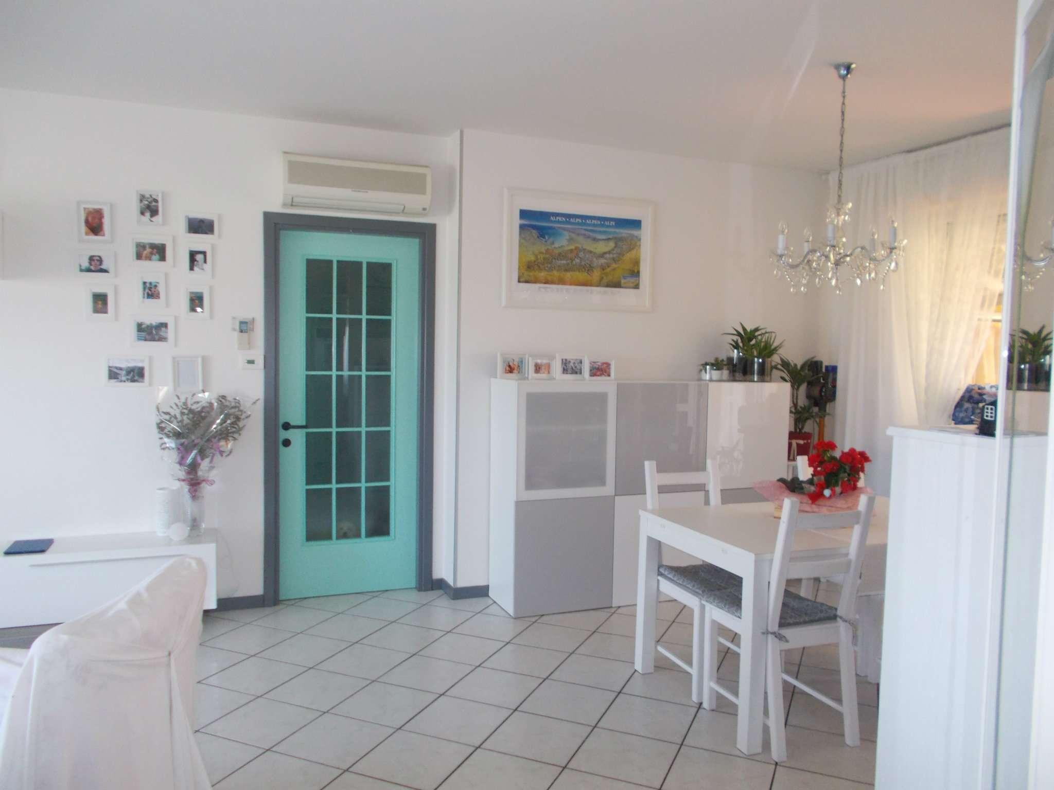 Appartamento ristrutturato parzialmente arredato in vendita Rif. 7583839