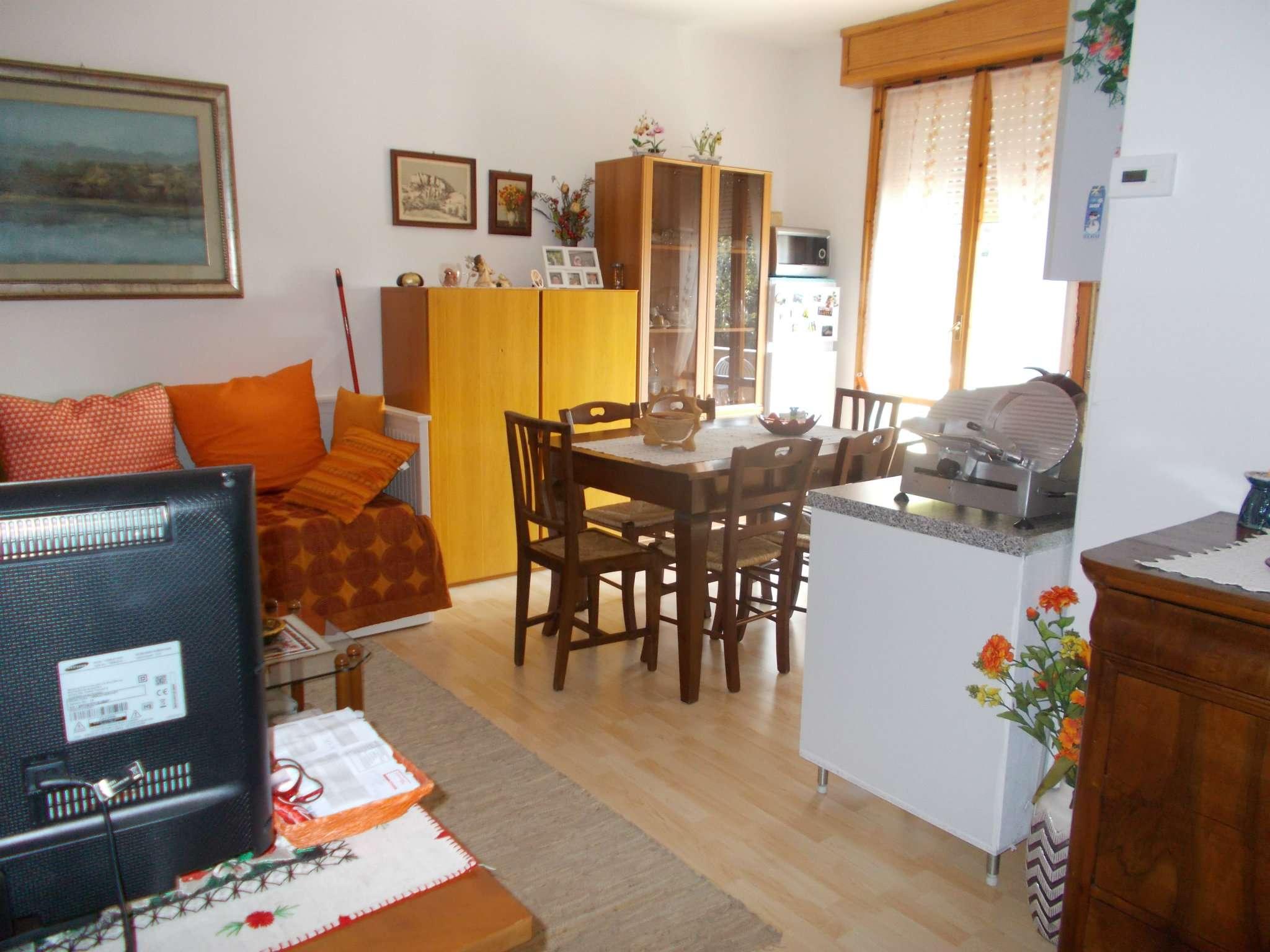 Appartamento in affitto a Quattro Castella, 2 locali, prezzo € 450 | CambioCasa.it