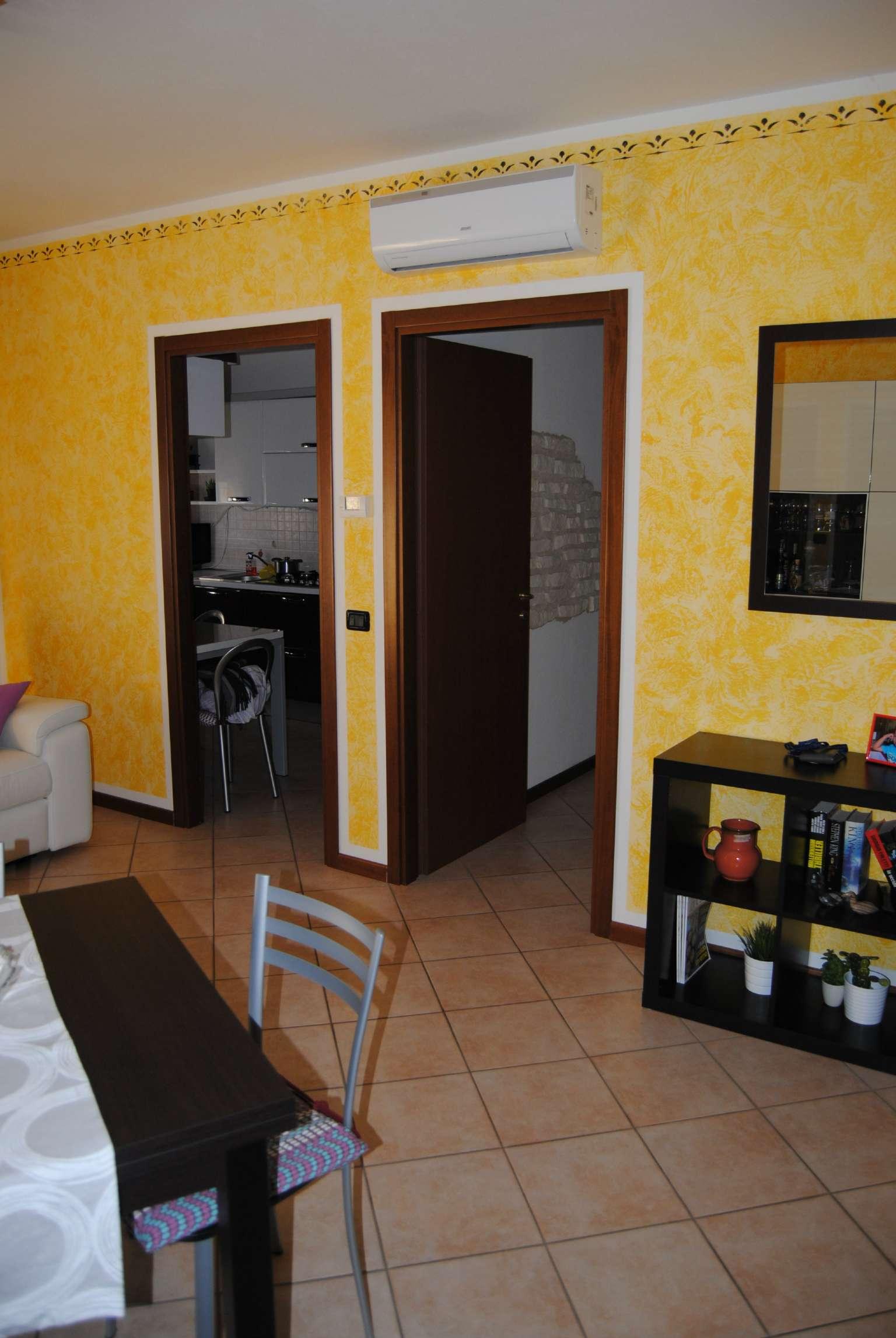 Appartamento in ottime condizioni in vendita Rif. 8038578