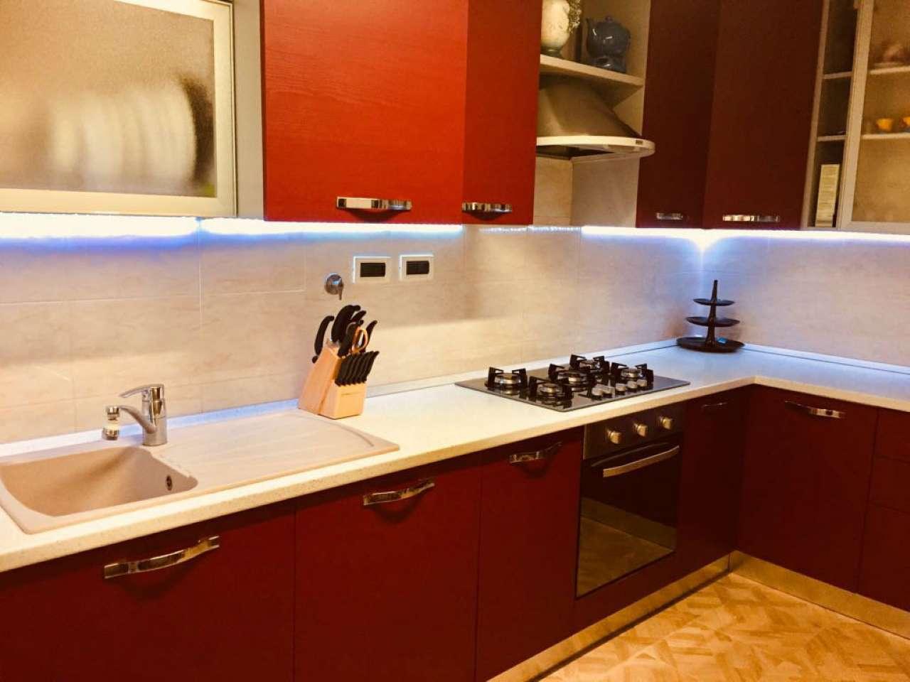 Appartamento in ottime condizioni arredato in vendita Rif. 8038579