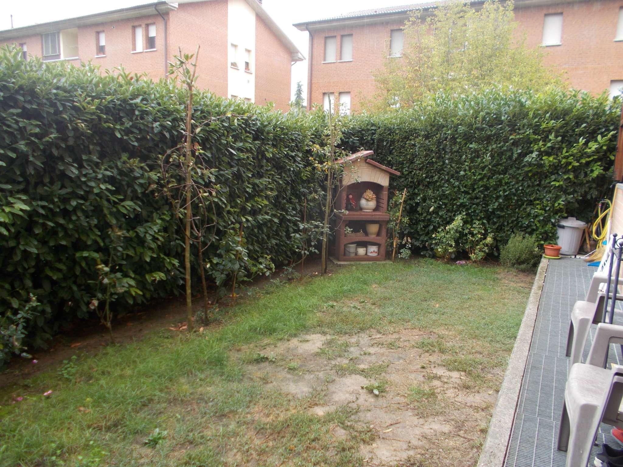 Appartamento in buone condizioni parzialmente arredato in vendita Rif. 8649617