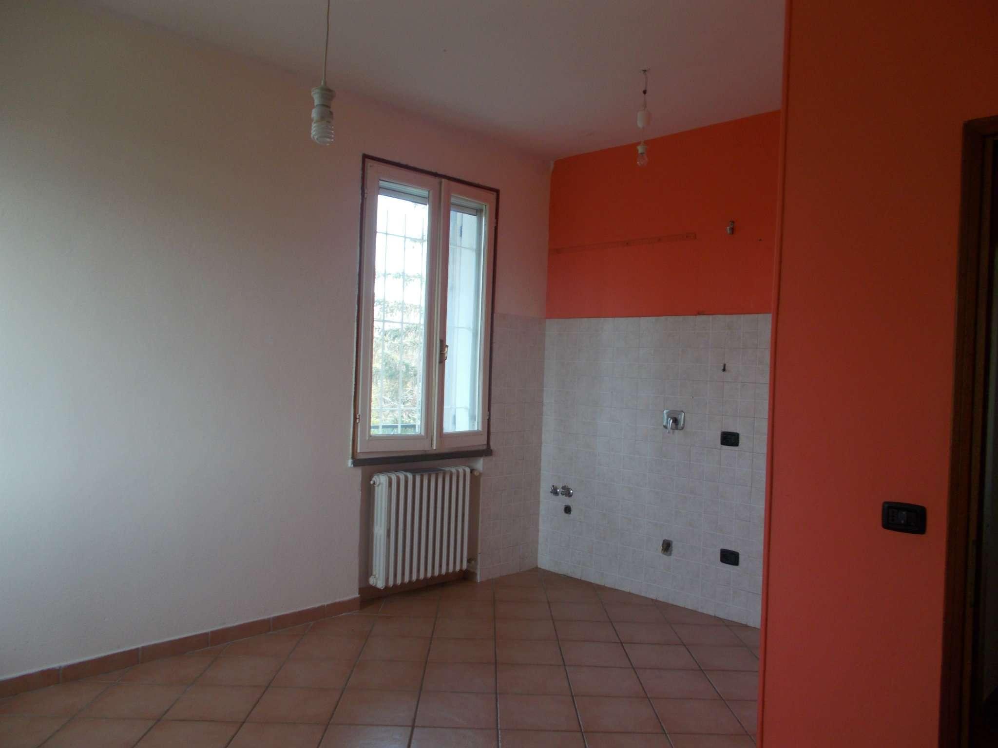 Appartamento ristrutturato parzialmente arredato in vendita Rif. 8761891