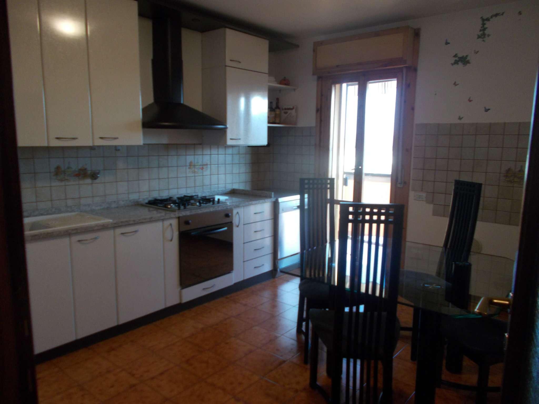 Appartamento in ottime condizioni parzialmente arredato in vendita Rif. 8949796