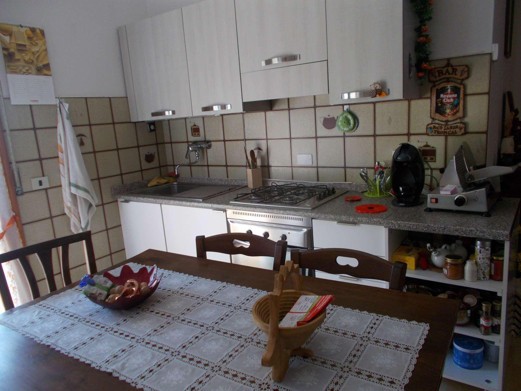 Appartamento in affitto a Quattro Castella, 2 locali, prezzo € 350 | CambioCasa.it