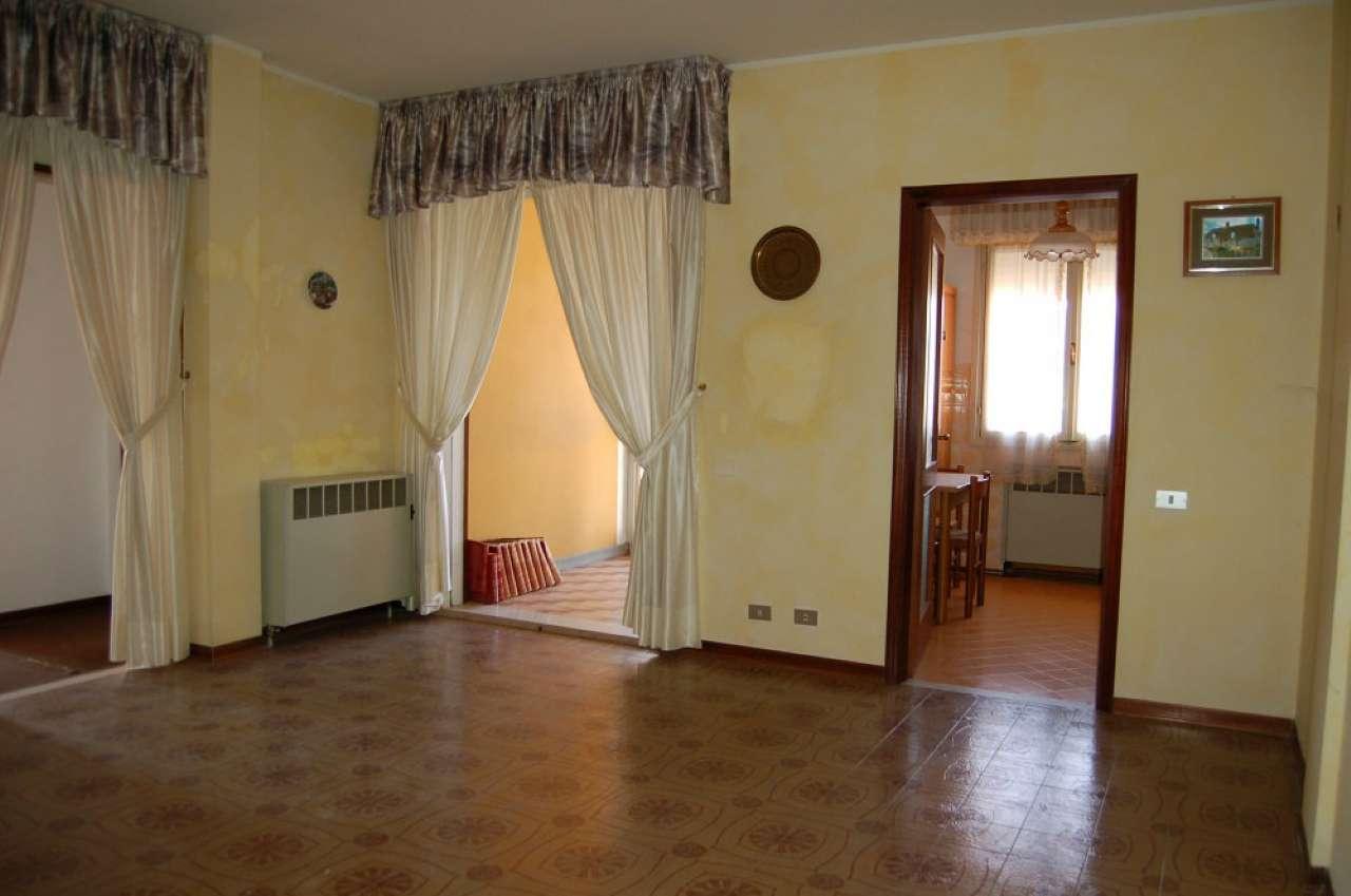 Appartamento in affitto a San Polo d'Enza, 2 locali, prezzo € 370 | CambioCasa.it