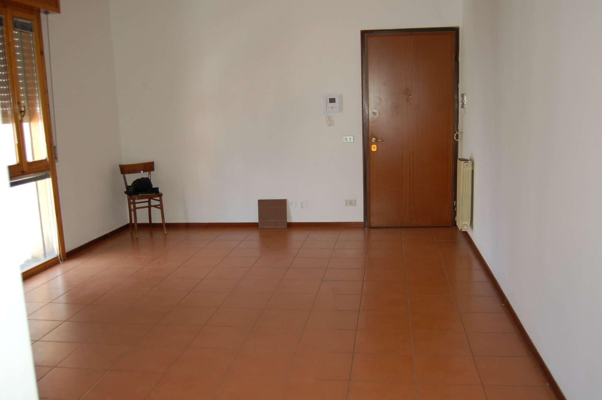 Appartamento in vendita a Quattro Castella, 3 locali, prezzo € 80.000   CambioCasa.it