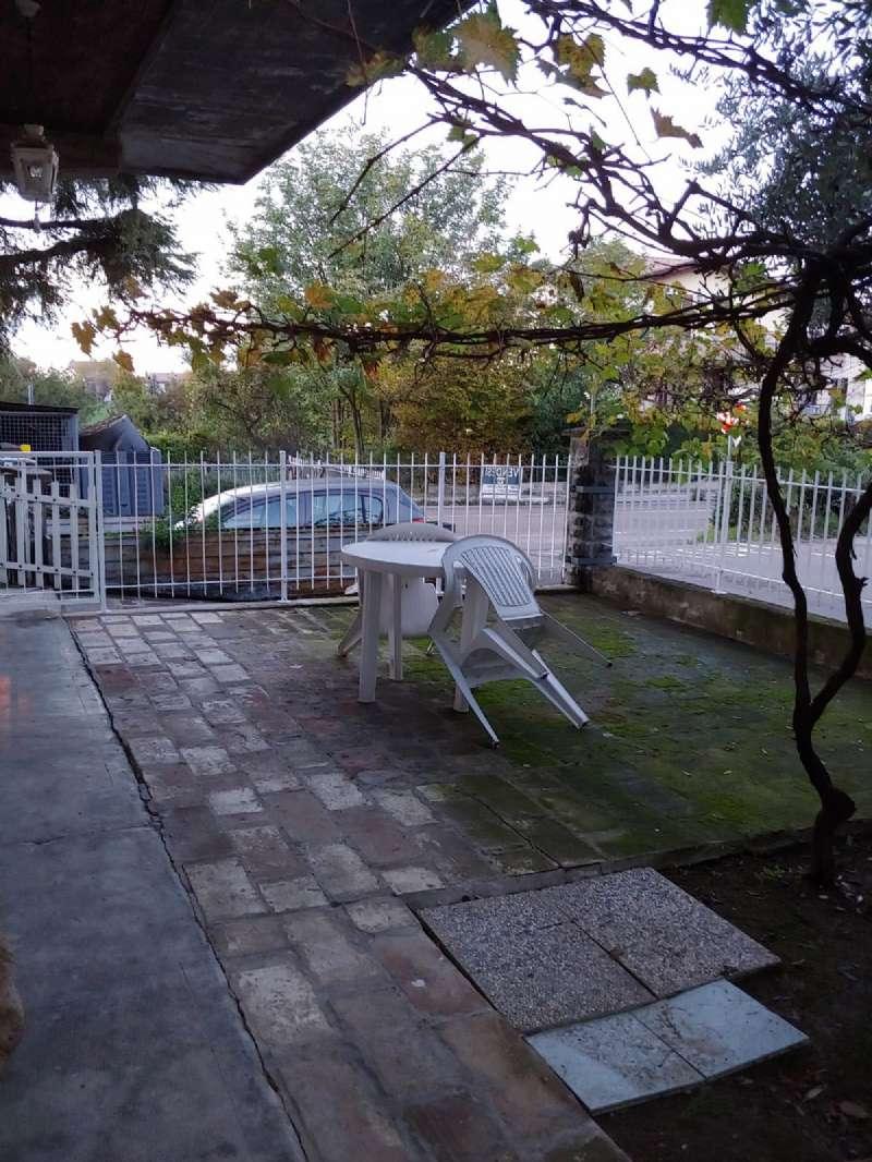 Appartamento in vendita a Quattro Castella, 3 locali, prezzo € 60.000   CambioCasa.it