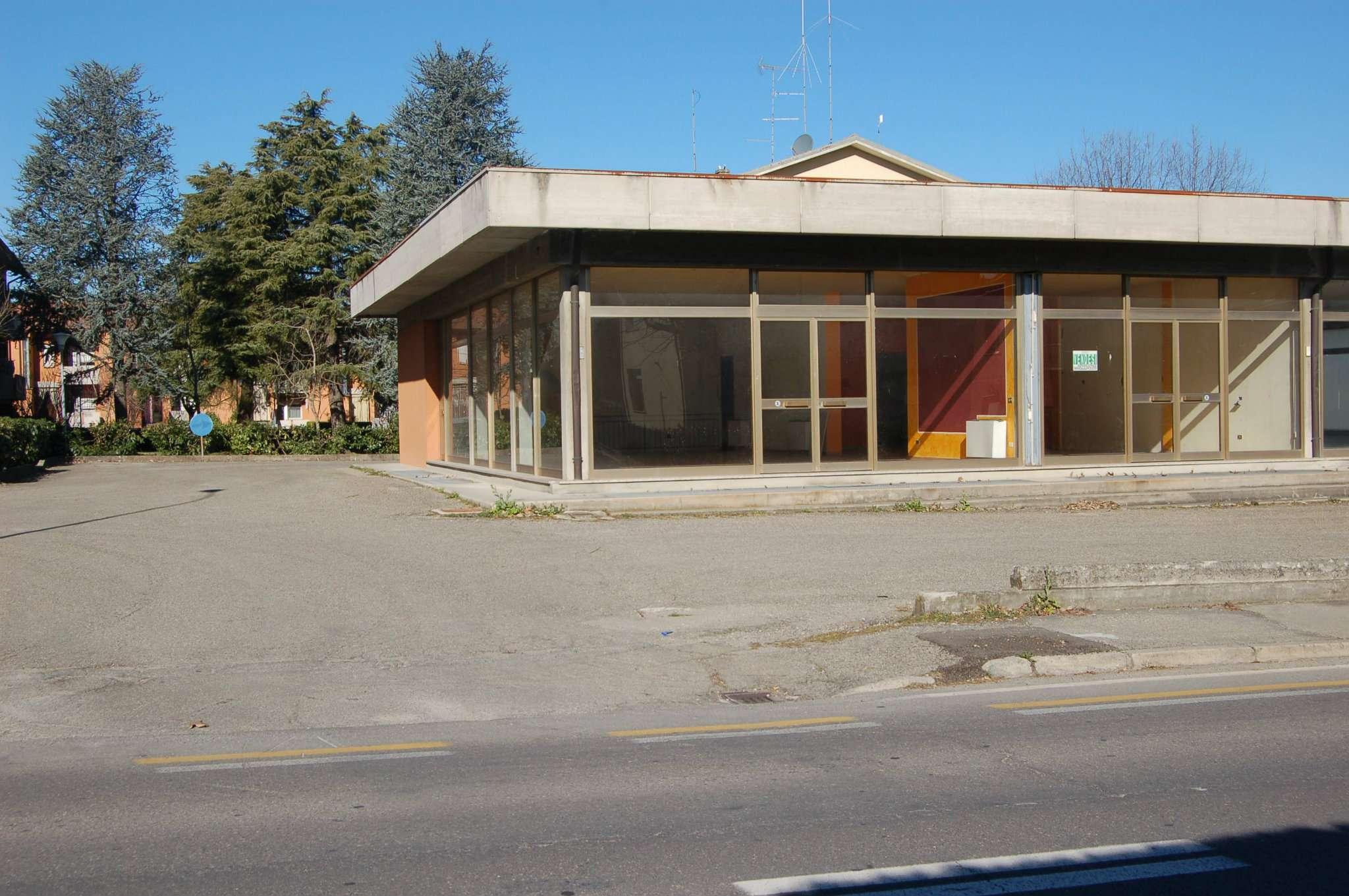 Negozio / Locale in vendita a San Polo d'Enza, 9999 locali, prezzo € 75.000 | CambioCasa.it
