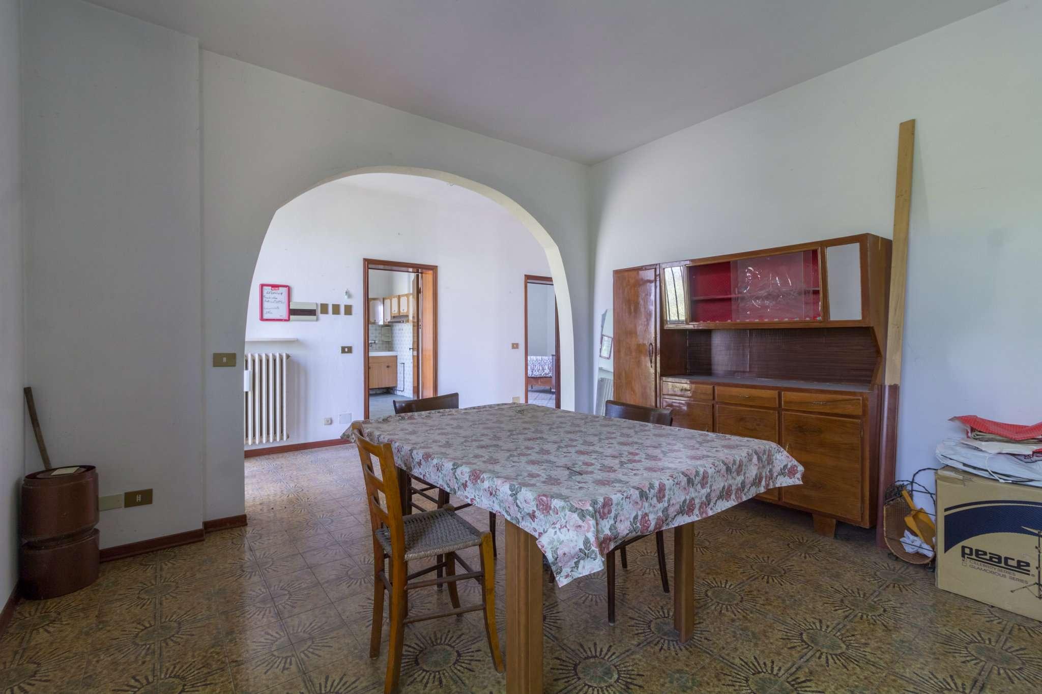 Arco Tra Cucina E Soggiorno. Elegant Sala Da Pranzo By Galle ...