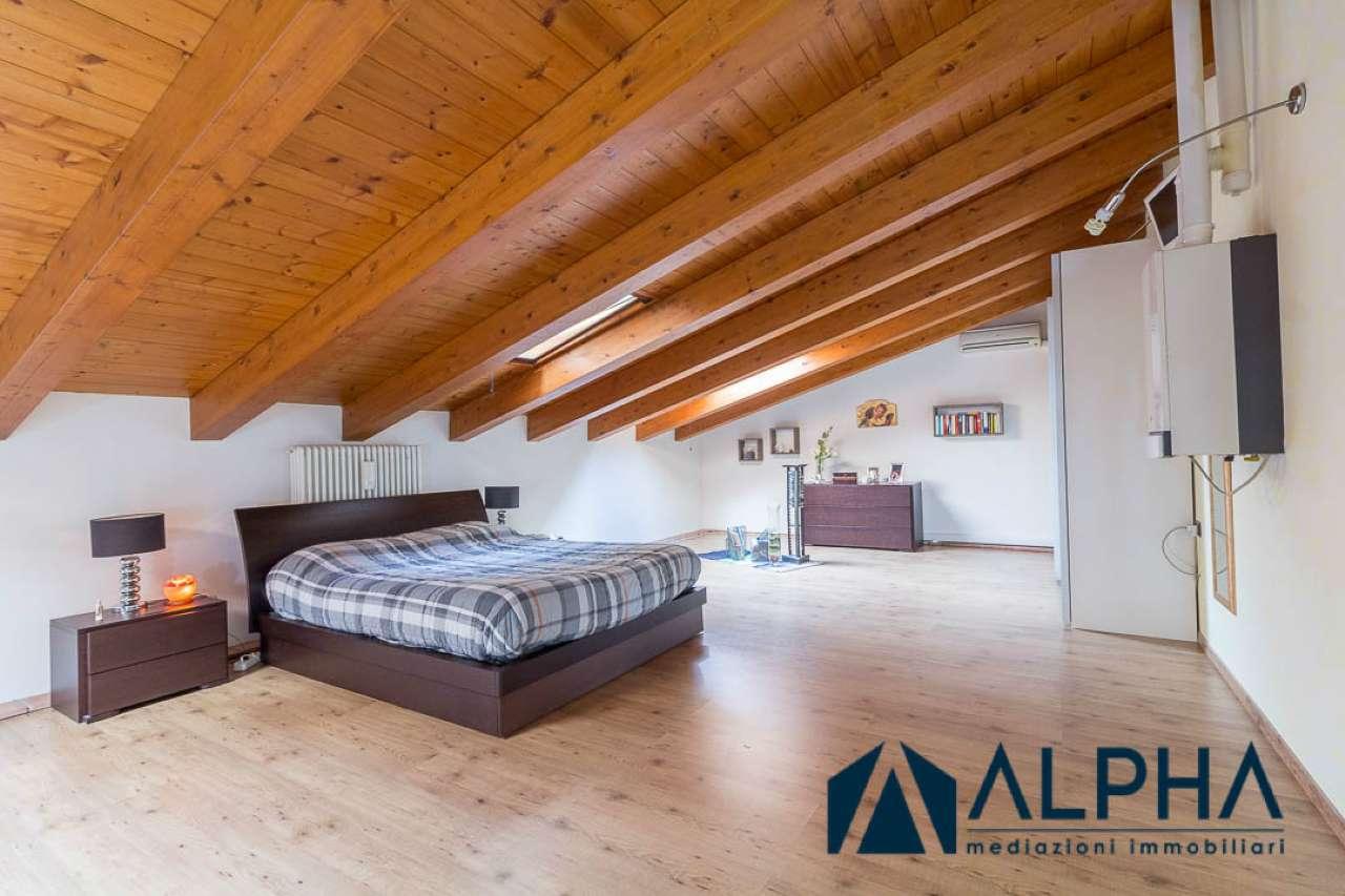 Appartamento in buone condizioni in vendita Rif. 6112195