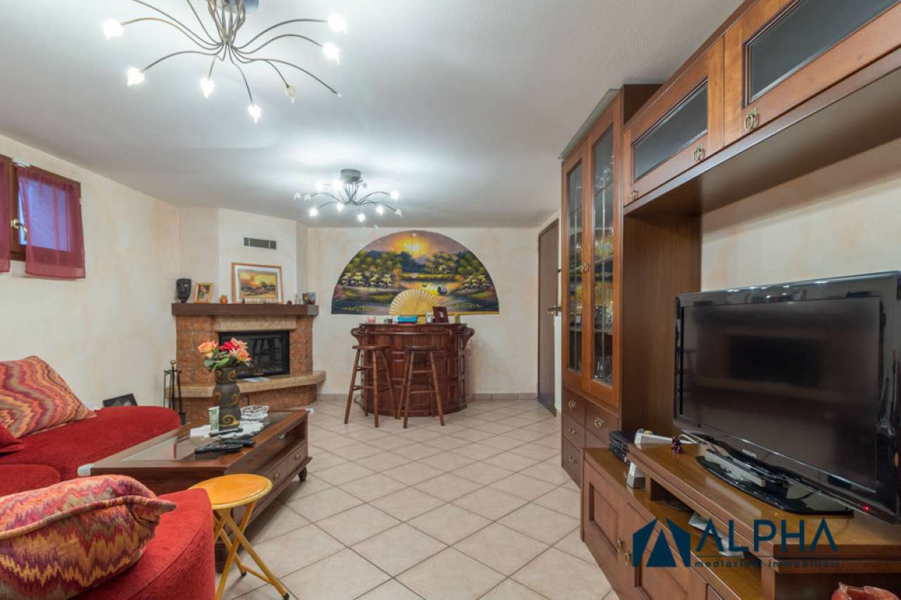 Appartamento in buone condizioni parzialmente arredato in vendita Rif. 7849912